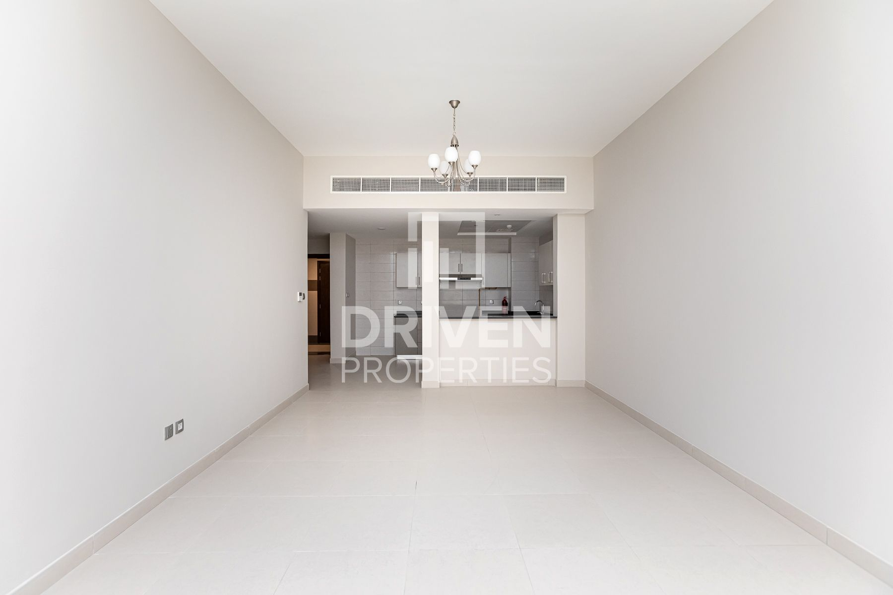 Spacious 2Bed | w/ maids | Prime location