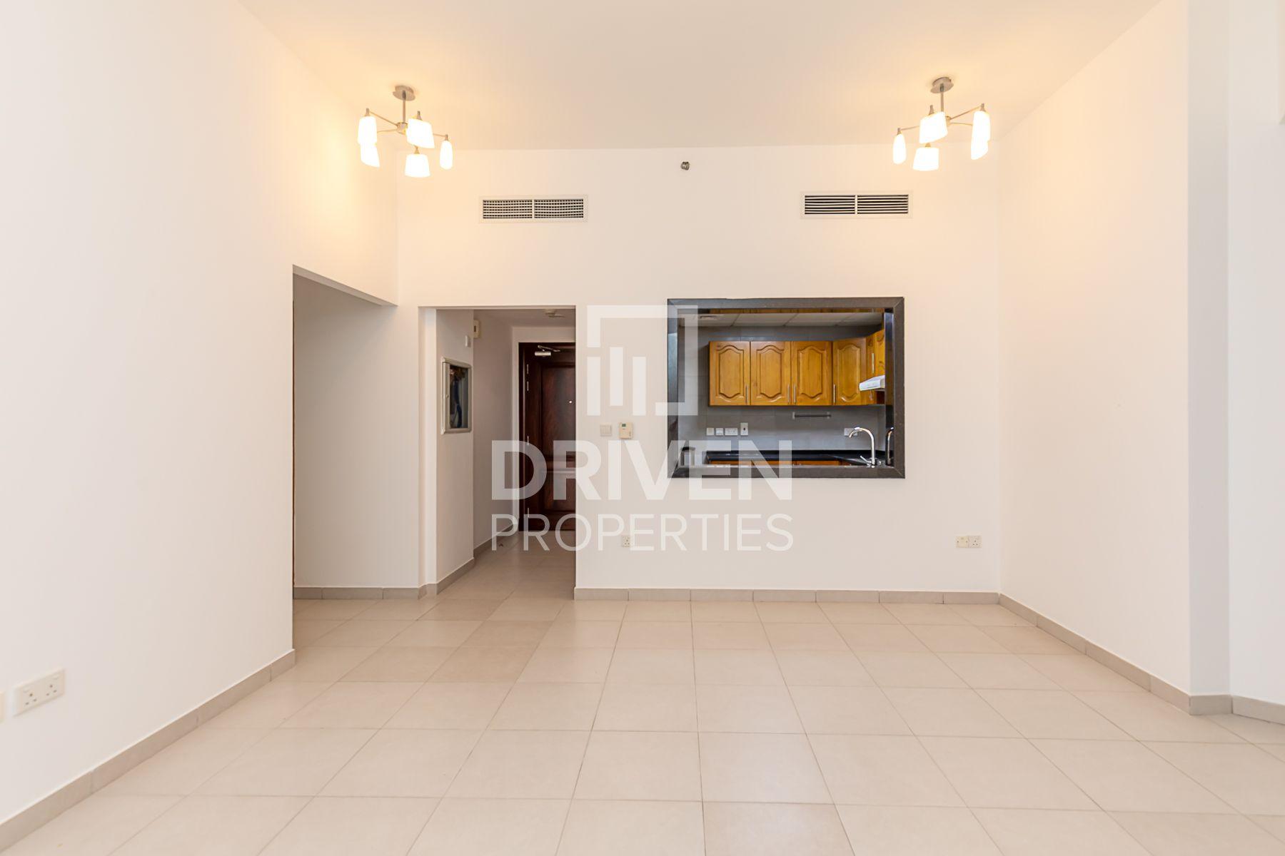 للايجار - شقة - البرج الأزرق - شارع الشيخ زايد