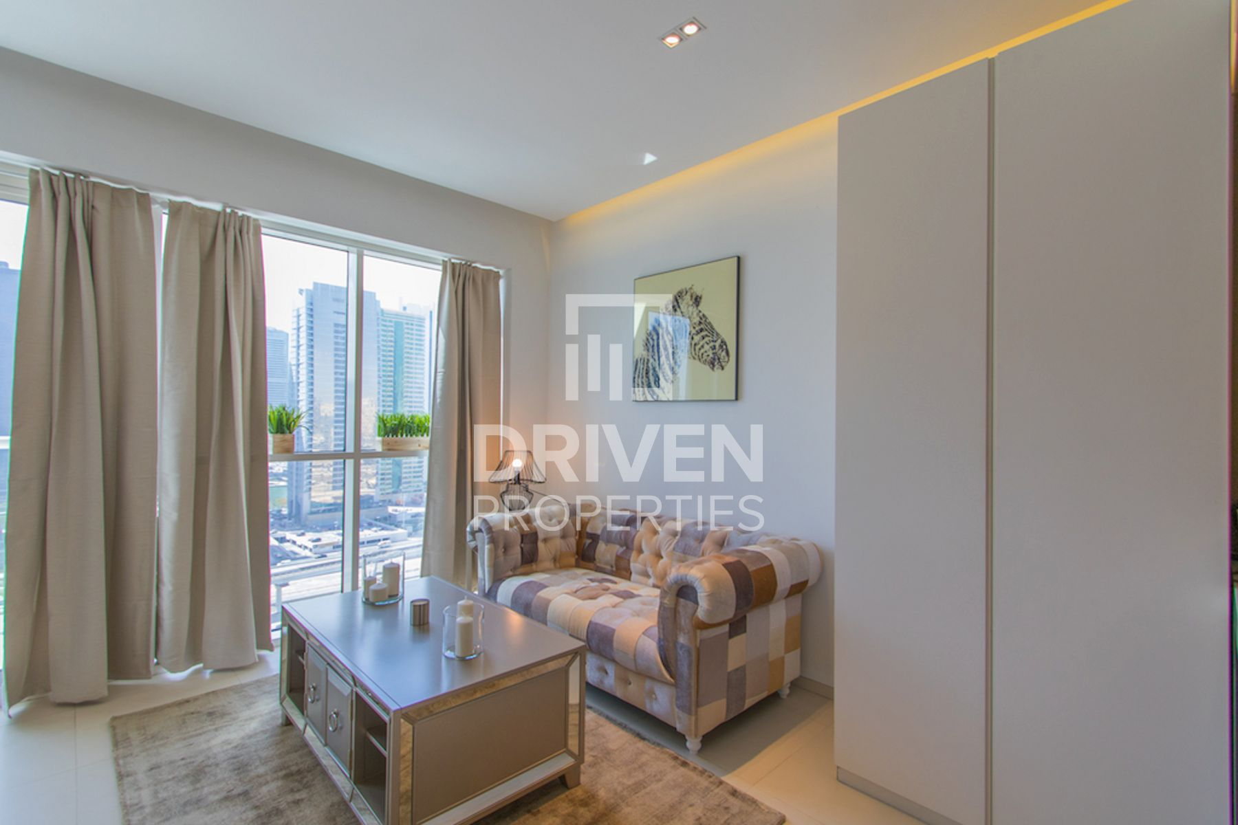 Vacant | Fully furnished | on High Floor