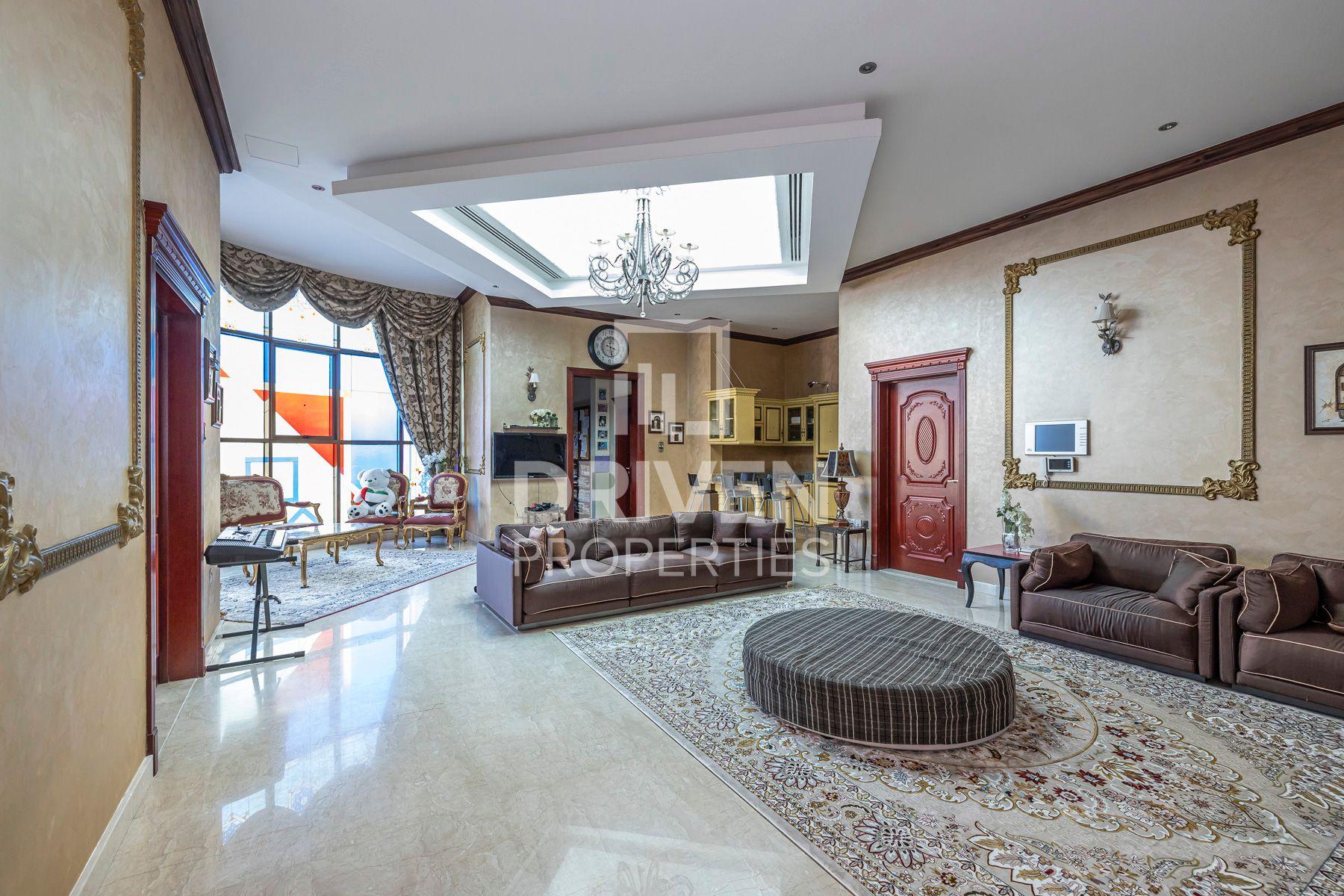 Stunning | Independent Villa | Huge Plot