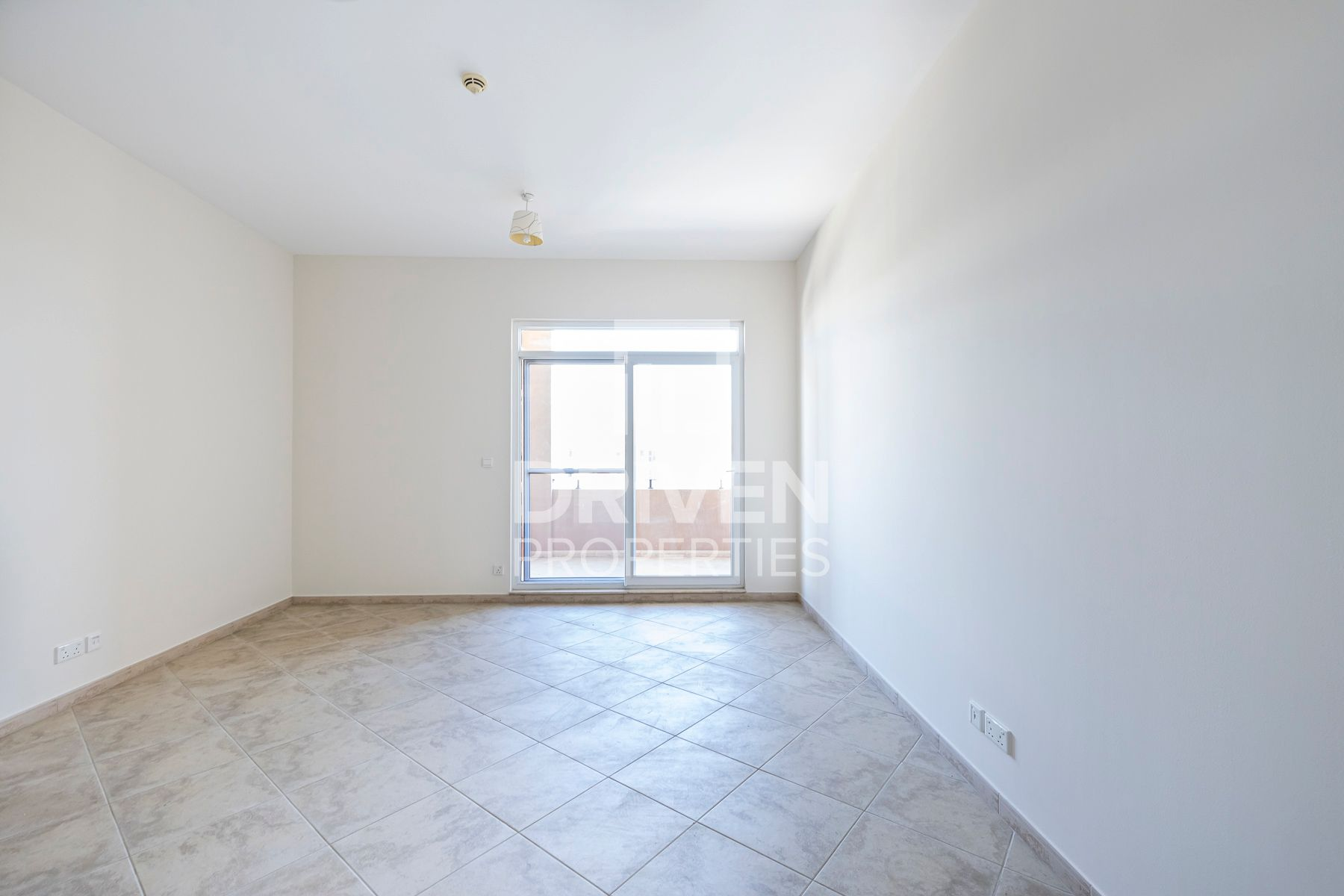 Spacious & Bright unit   Partly Furnished