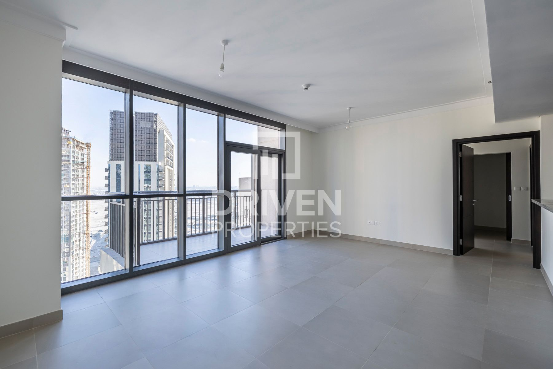 High Floor w/ Fitted Kitchen | BLVD View