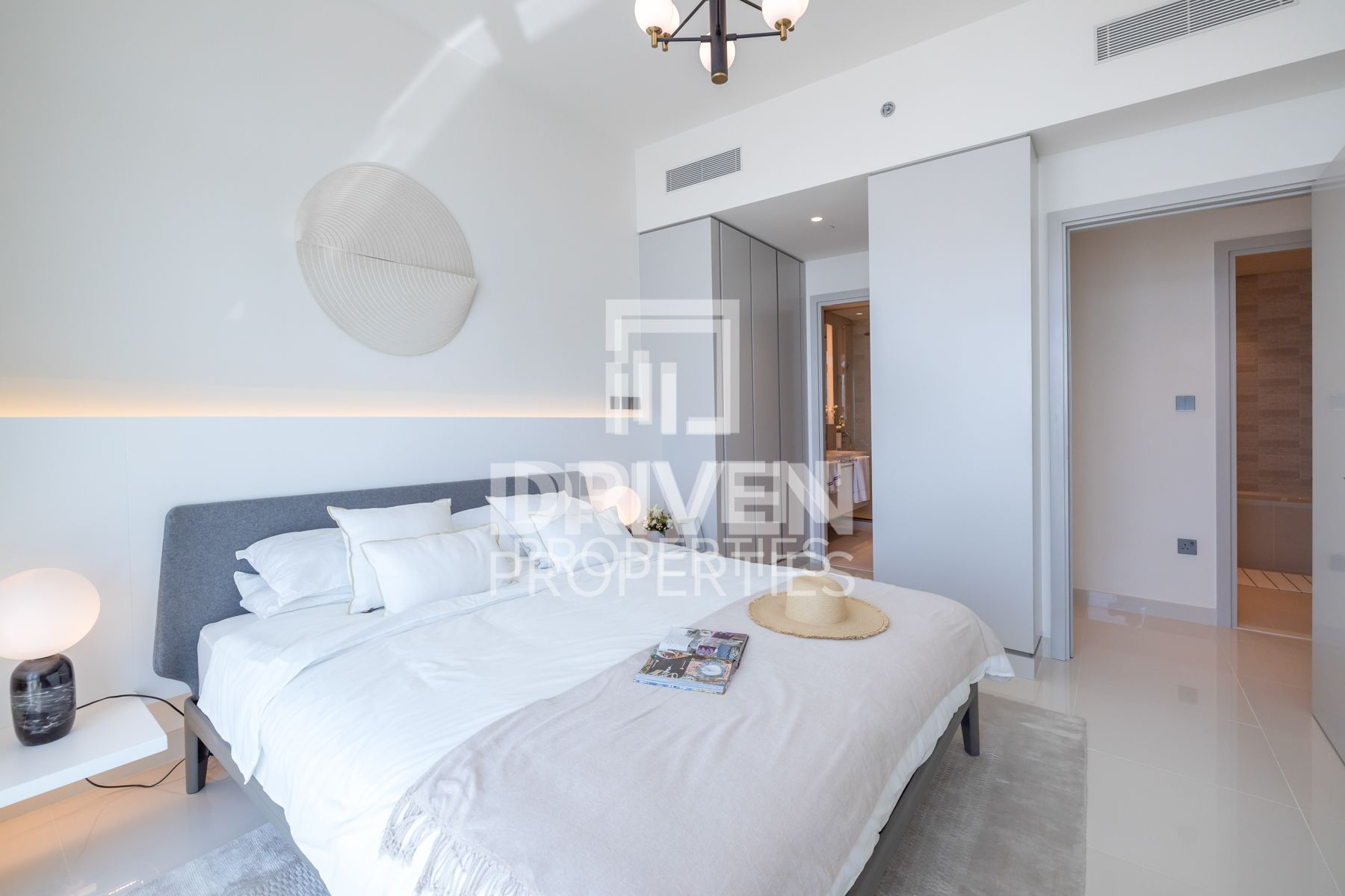 Resale Apt with Private Beach | Sea View
