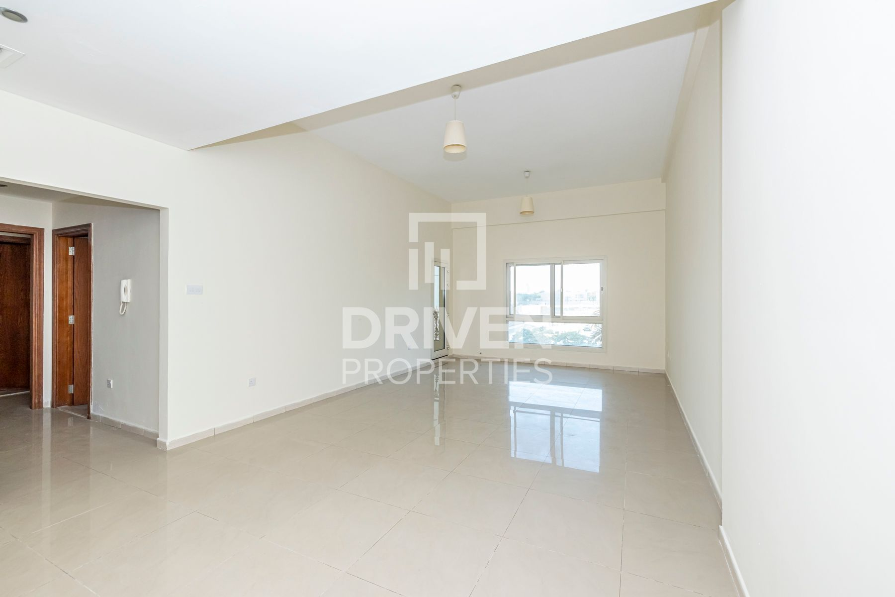 Spacious 1 Bed Unit | Close to the Mall