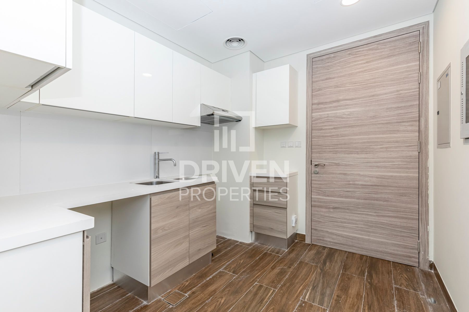 Studio for Rent in SOL Bay - Business Bay