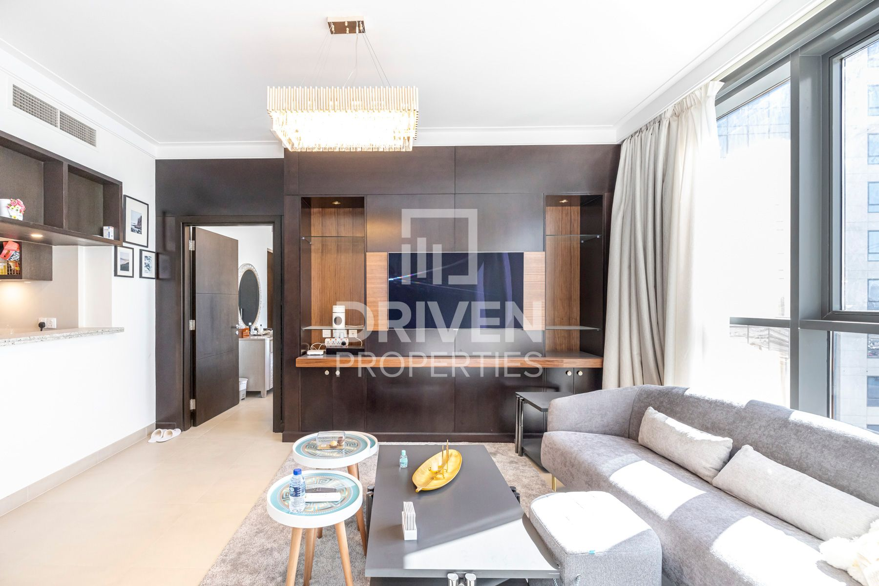 Stunning 3 Bed | Spacious | Skyline View