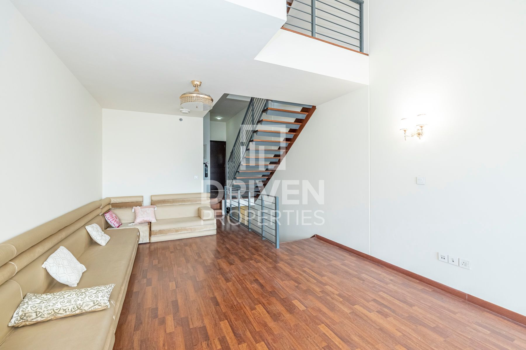 Furnished Townhouse | Park View | Vacant
