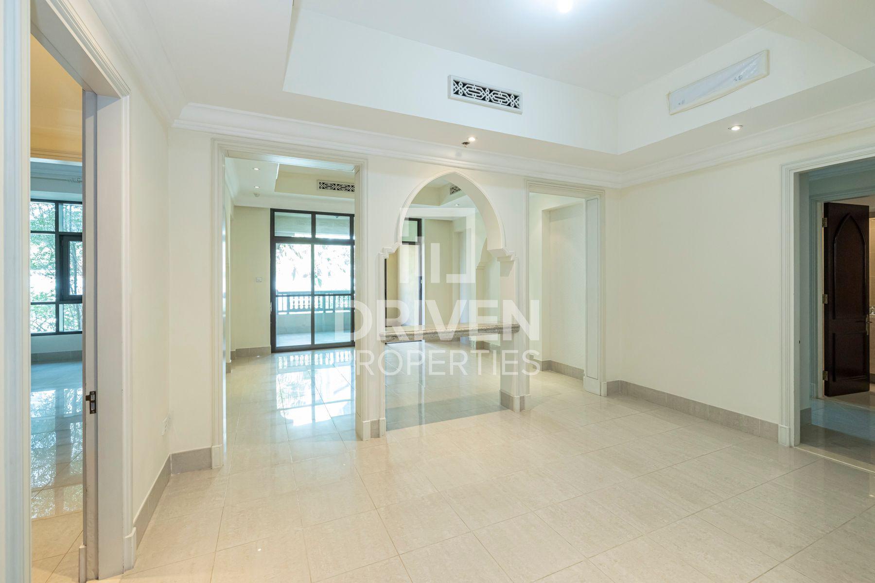 1,446 قدم مربع  شقة - للايجار - المدينة القديمة