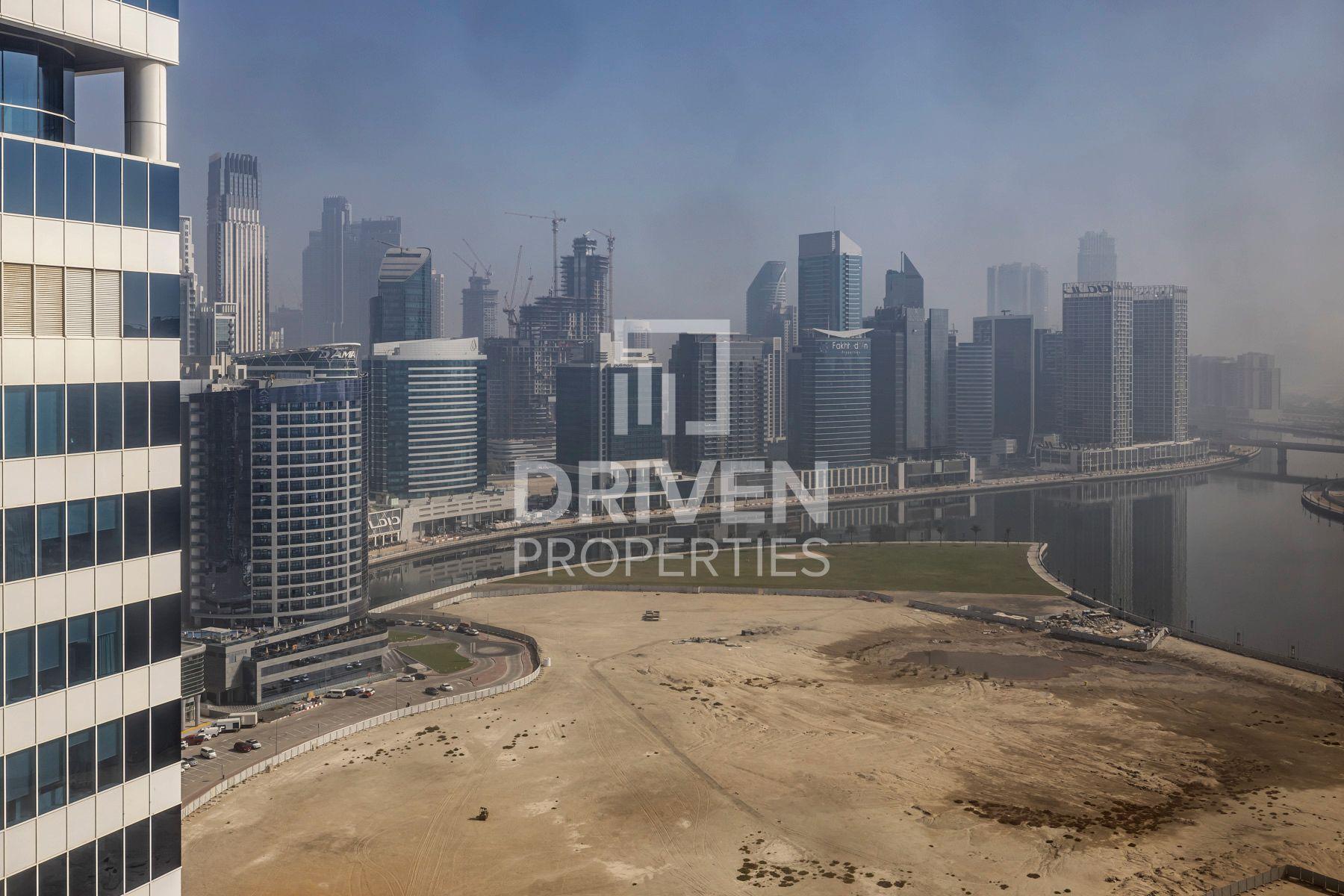 للبيع - مكتب - برج سيلفر - الخليج التجاري