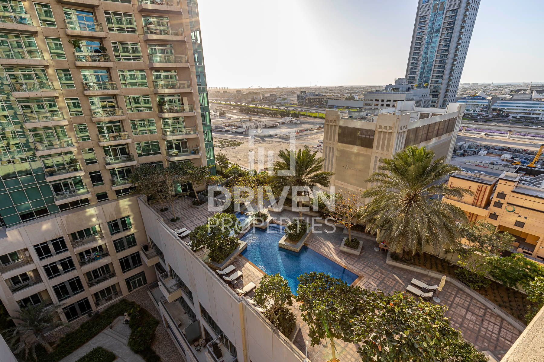1,242 قدم مربع  شقة - للبيع - دبي وسط المدينة
