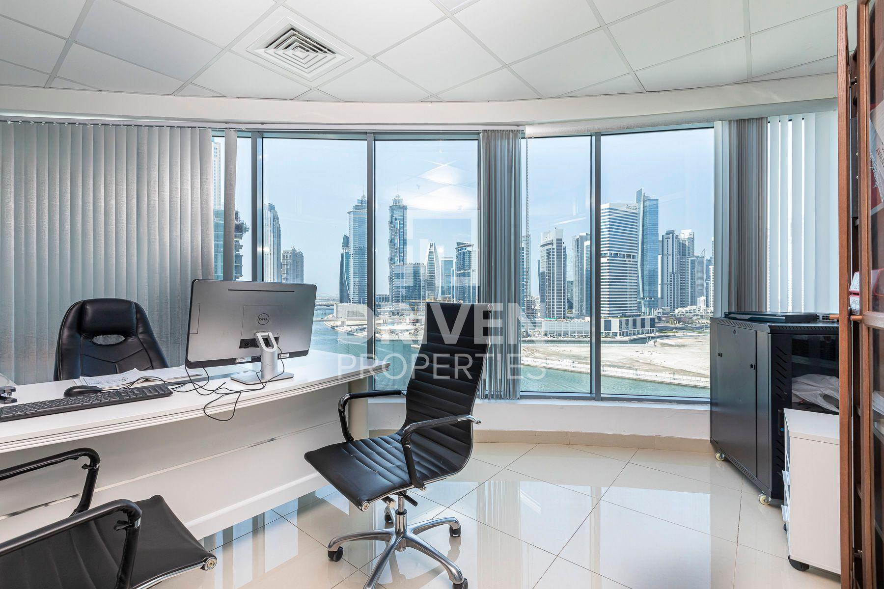 1,101 قدم مربع  مكتب - للايجار - الخليج التجاري