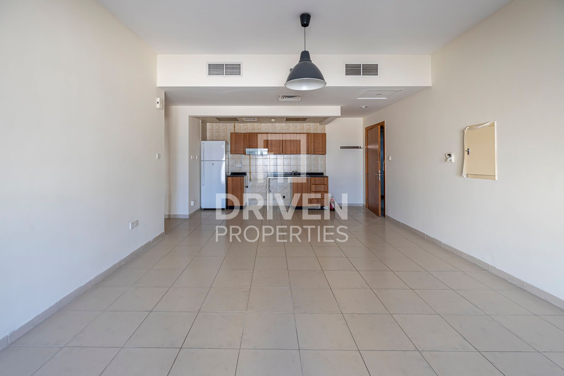 976 قدم مربع  شقة - للايجار - قرية الجميرا سركل