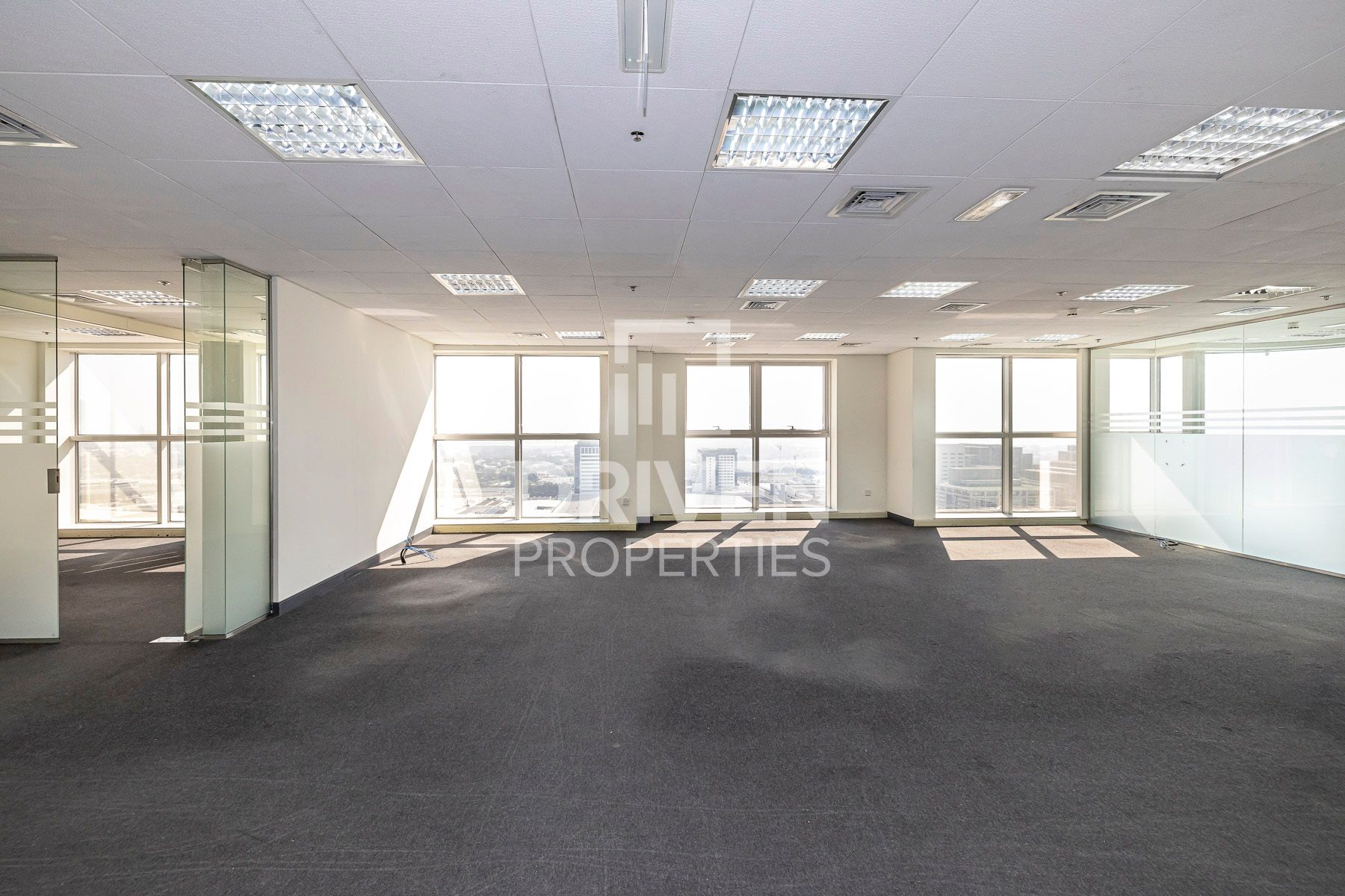 8,056 قدم مربع  مكتب - للايجار - شارع الشيخ زايد