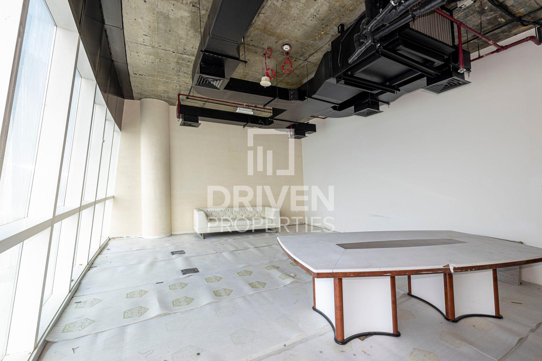 525 قدم مربع  مكتب - للايجار - الخليج التجاري