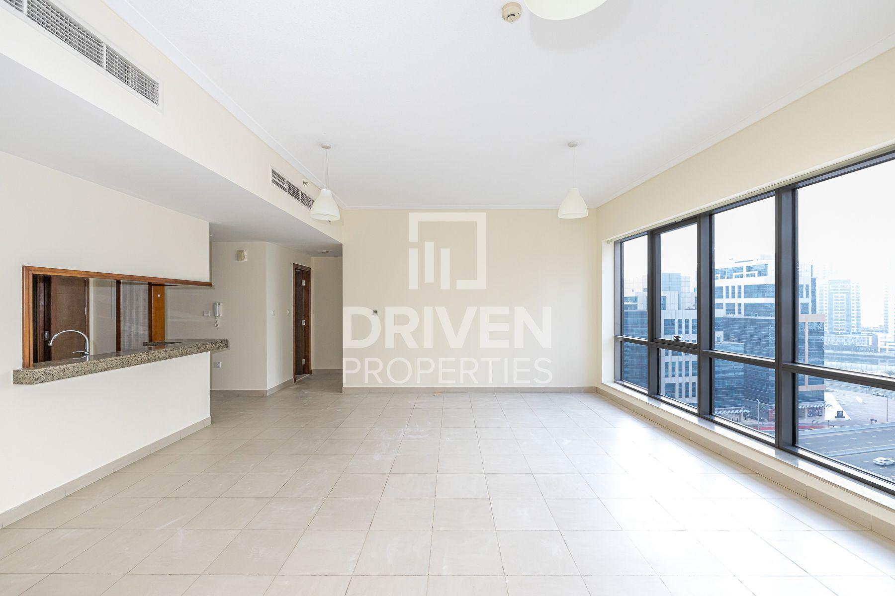 للايجار - شقة - البرج الجنوبي 5 - دبي وسط المدينة