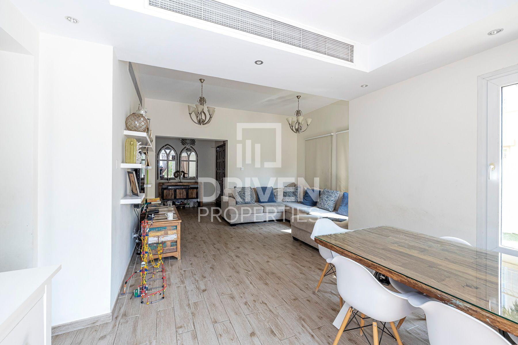 Villa for Sale in Springs 10 - The Springs