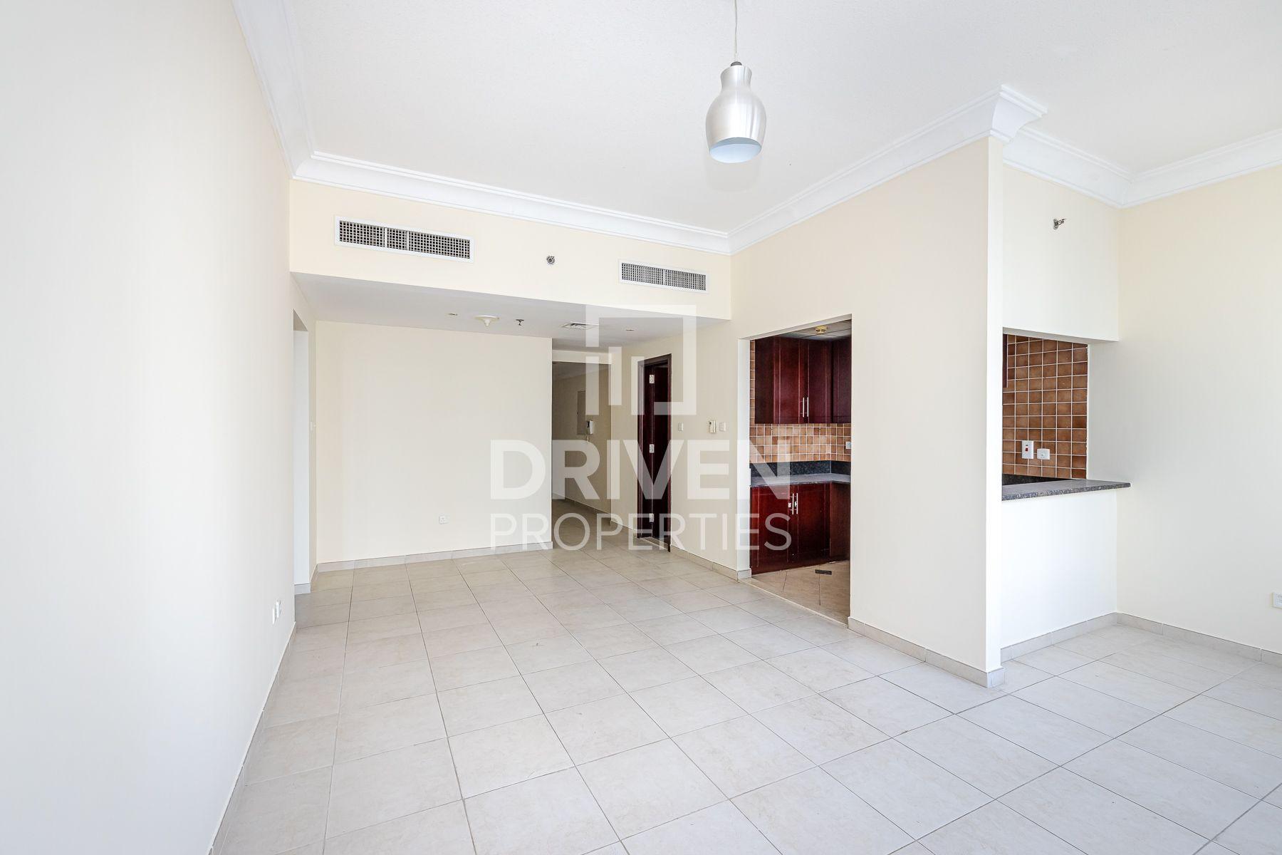 Apartment for Rent in Lake Shore Tower - Jumeirah Lake Towers
