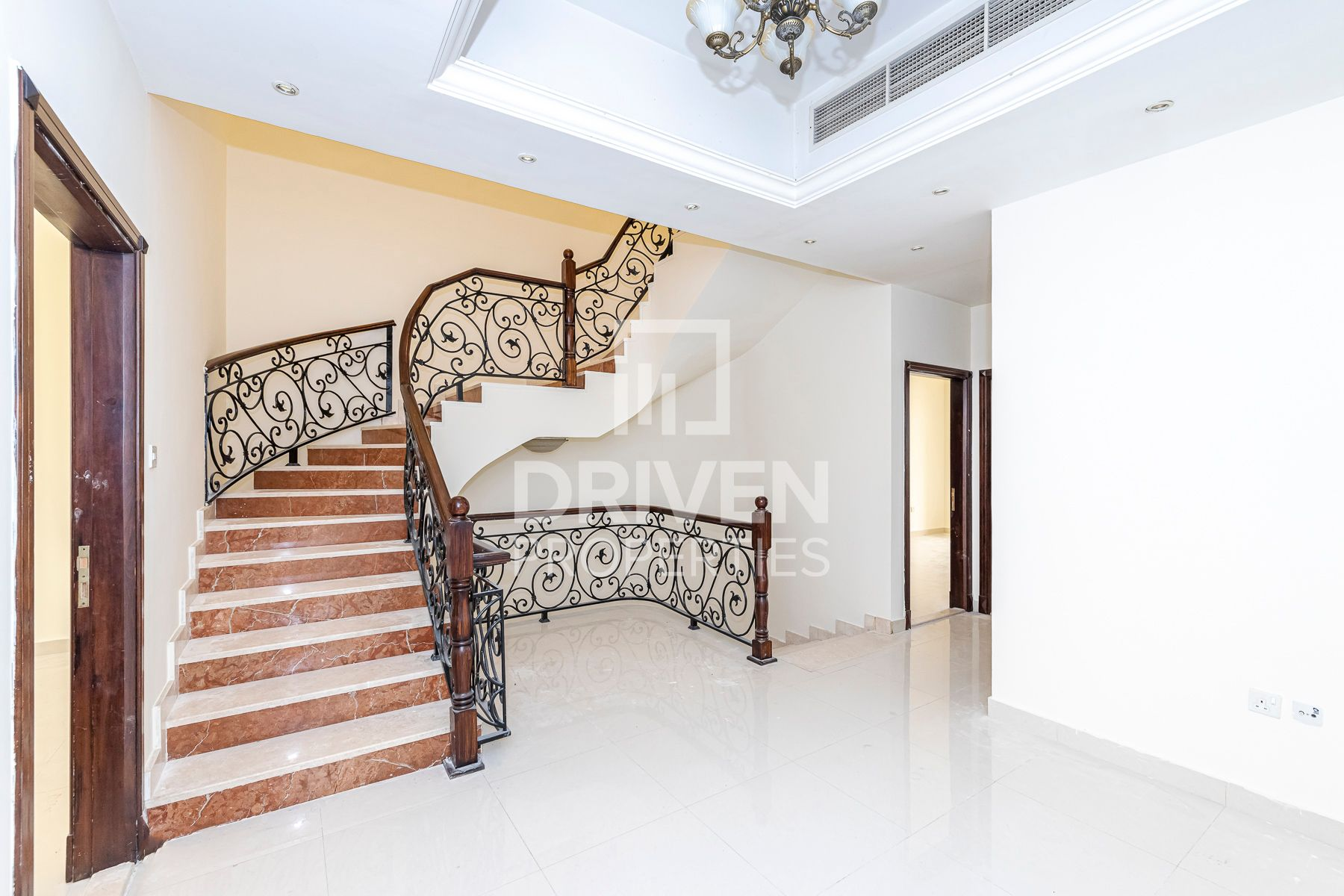 Semi-Independent Villa | Well-maintained