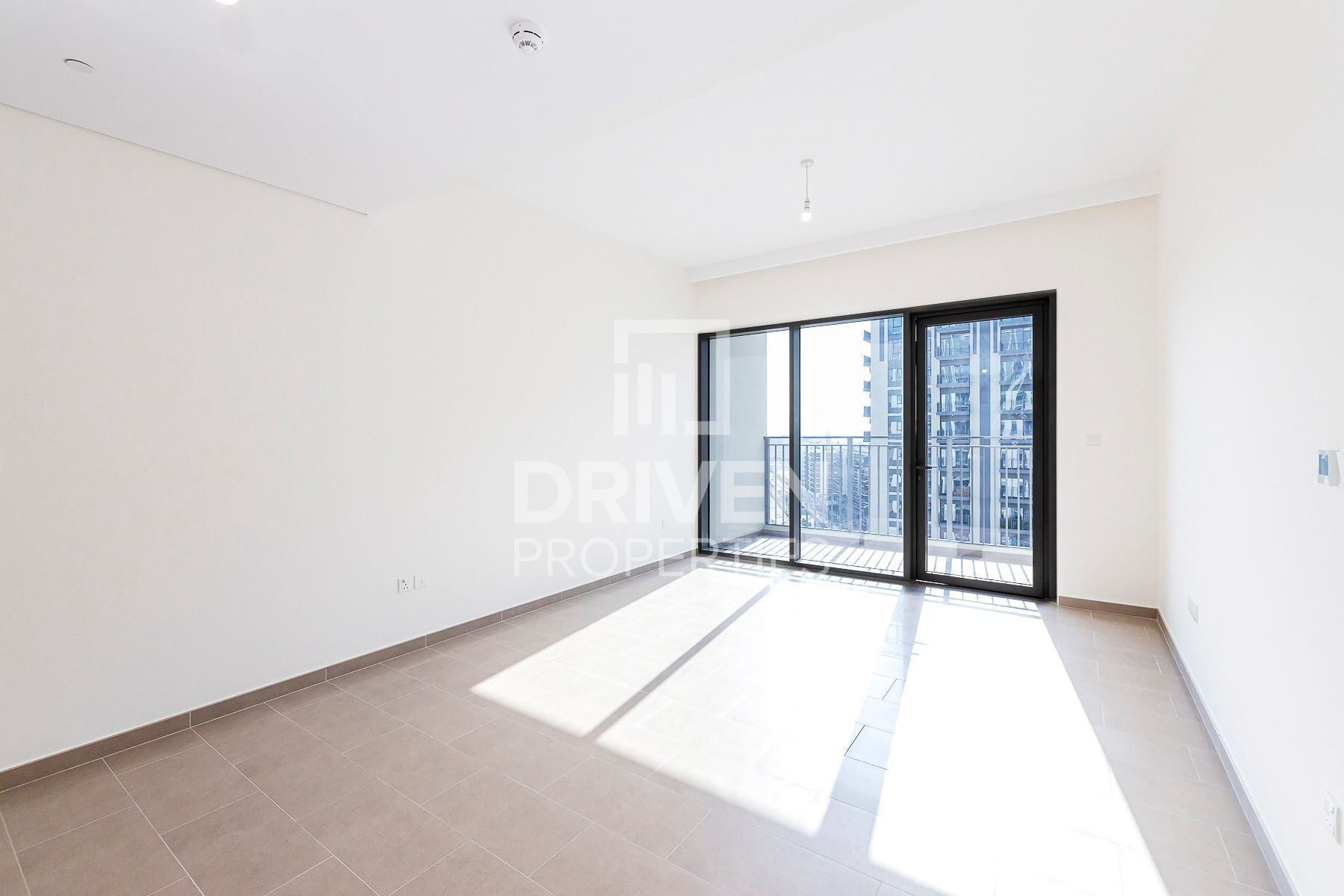 New Beautiful Apartment | Multiple Cheques