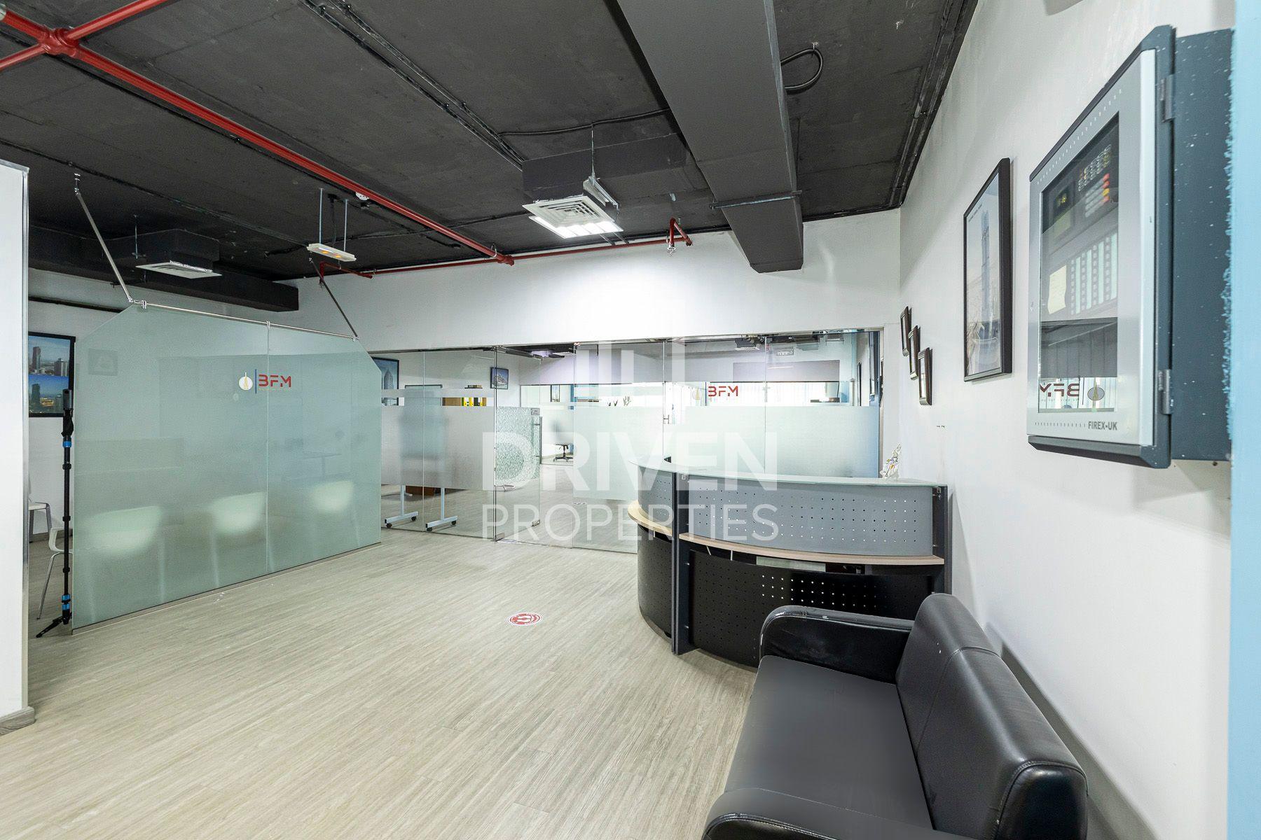 1,698 قدم مربع  مكتب - للايجار - مجمع دبي للإستثمار