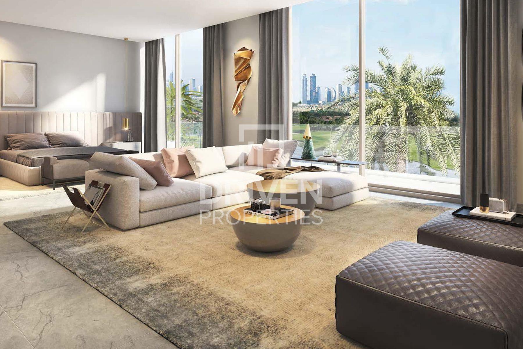 Spacious 6 Bedroom villa | W/ Huge Plot