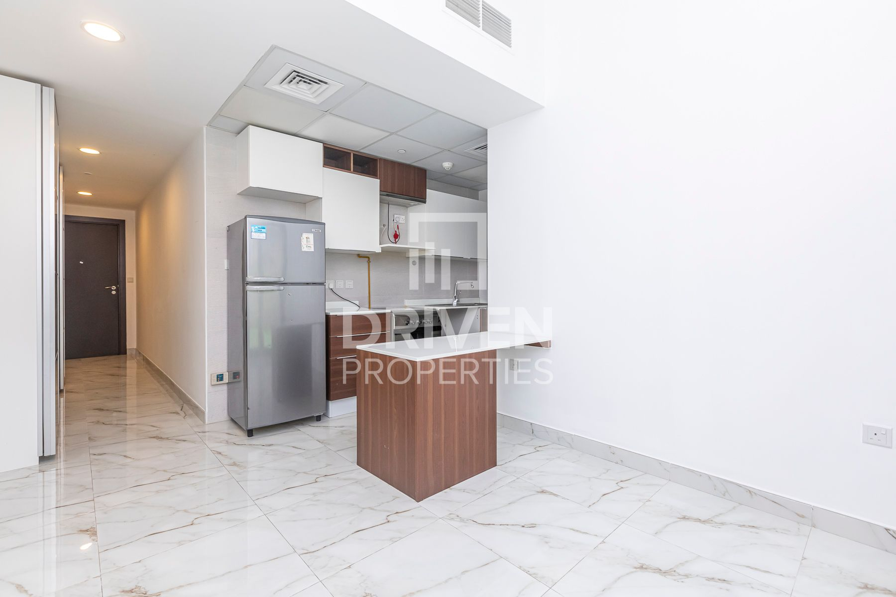 Ready to move in Apartment w/ Park Views