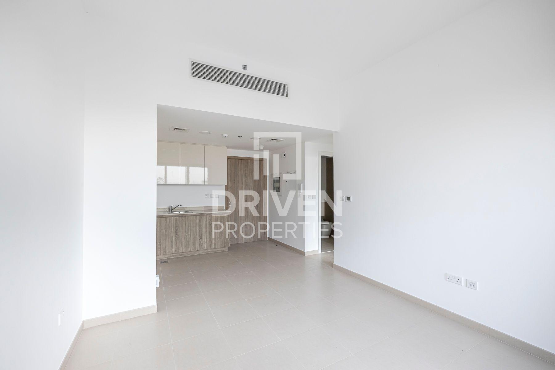 Vacant | Mid Floor Unit | Prime Location