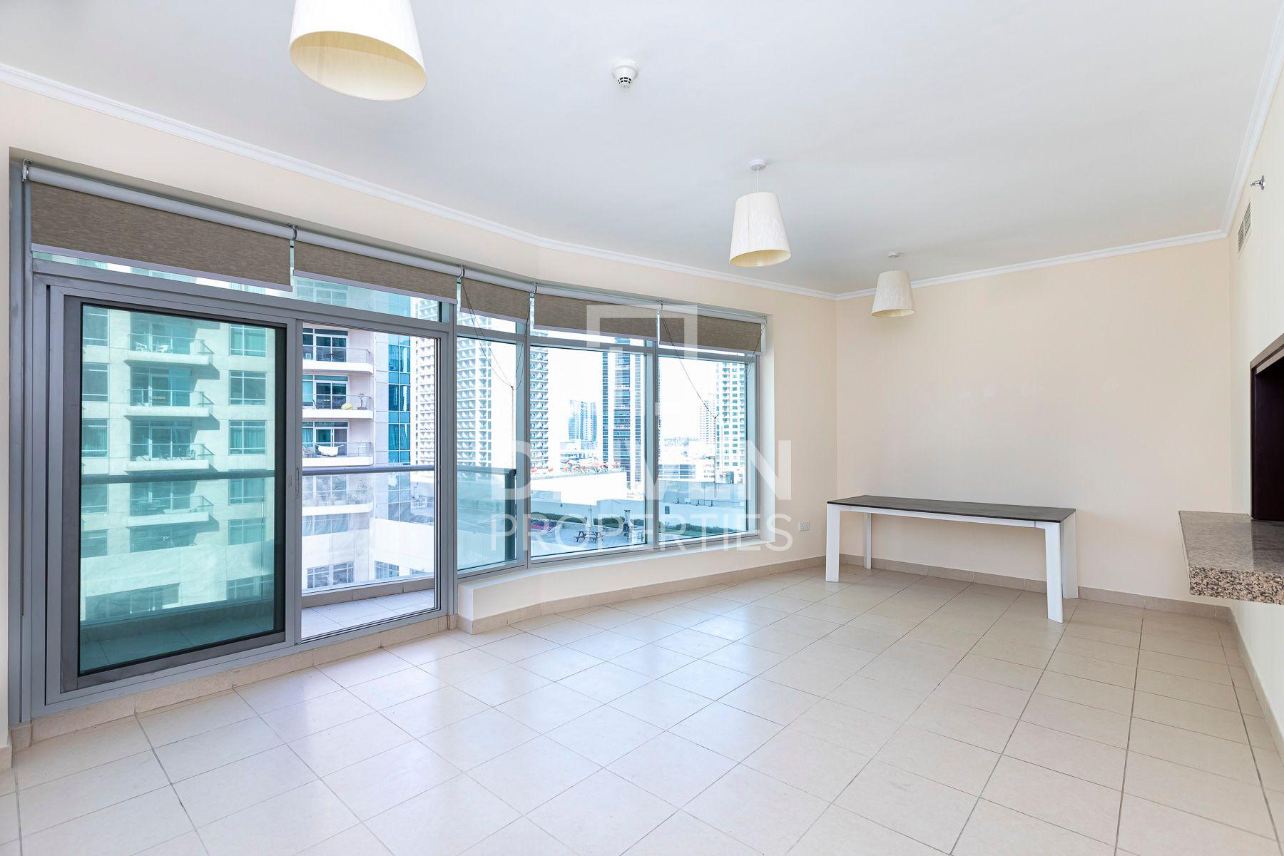 1,299 قدم مربع  شقة - للايجار - دبي وسط المدينة