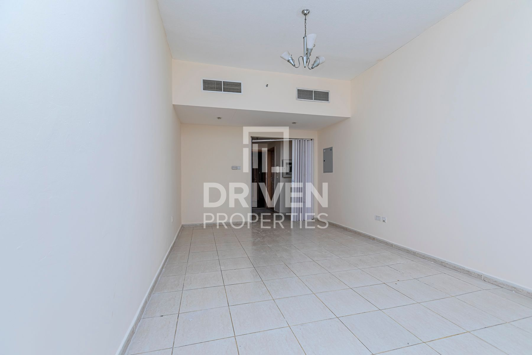 Well-managed Apartment | Mid Floor Level