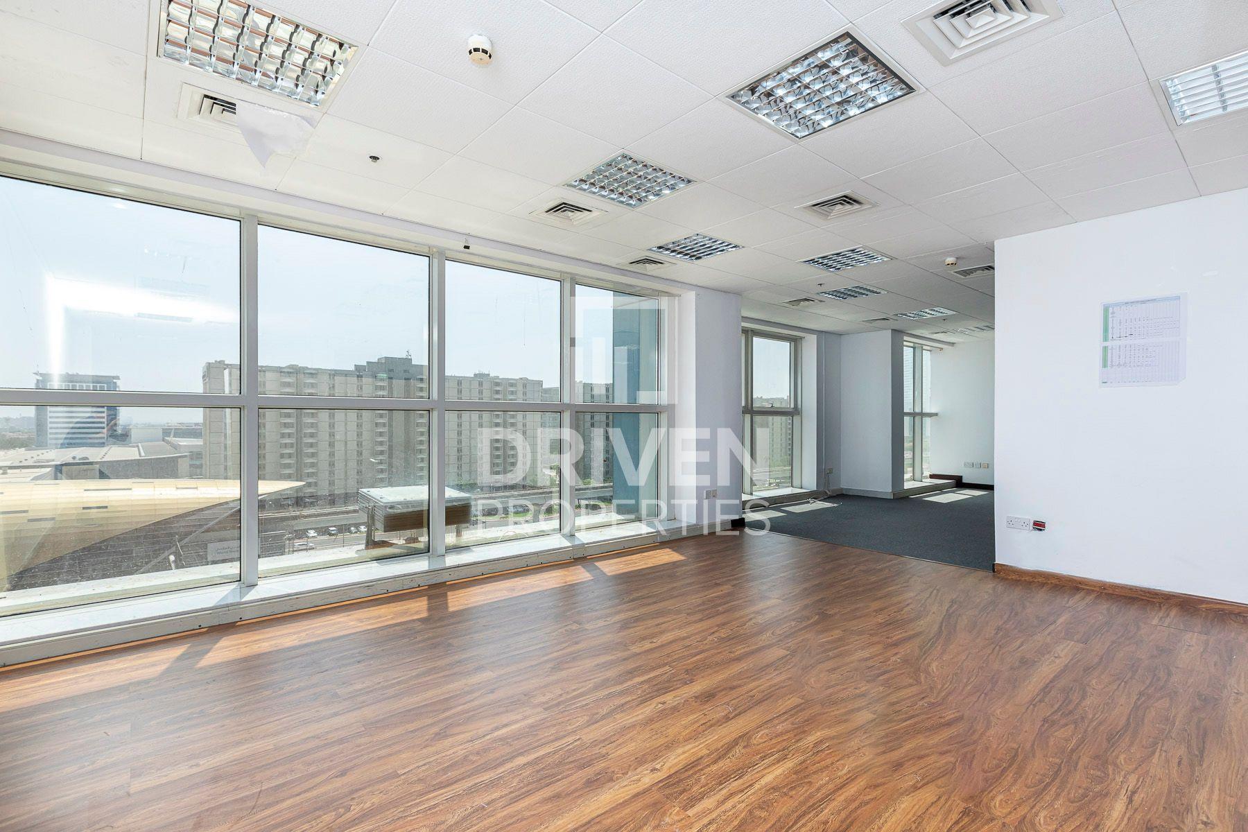 2,014 قدم مربع  مكتب - للايجار - شارع الشيخ زايد