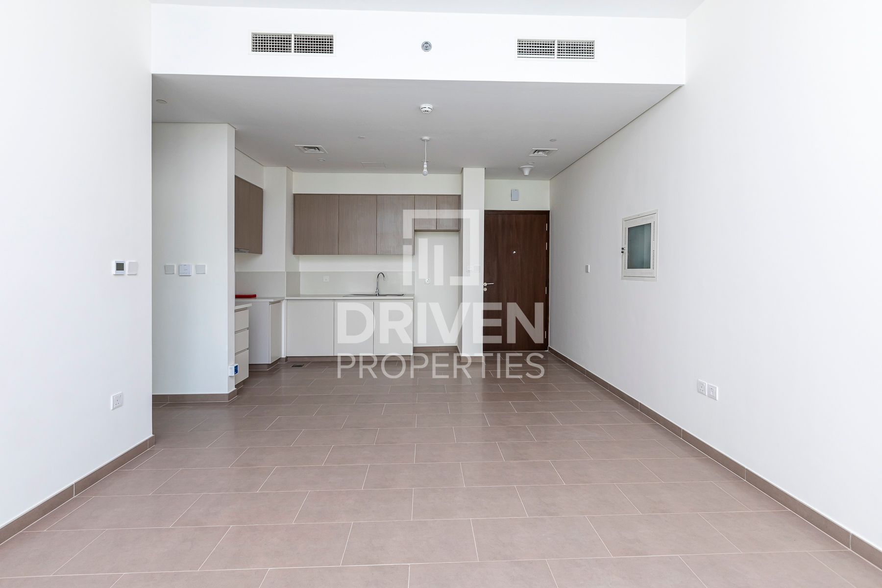 Brand New | Pool View | Vacant Apartment