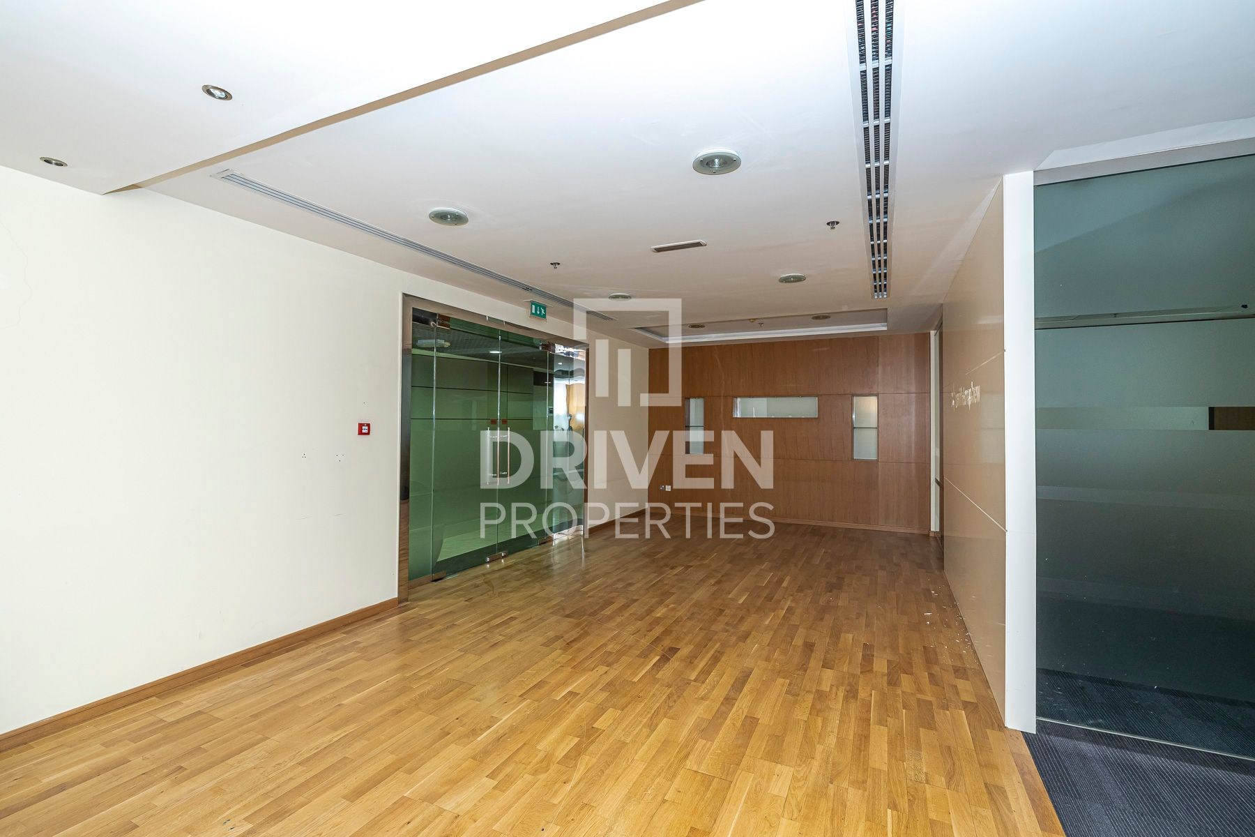 Fitted Office | Well-Kept | Middle Floor