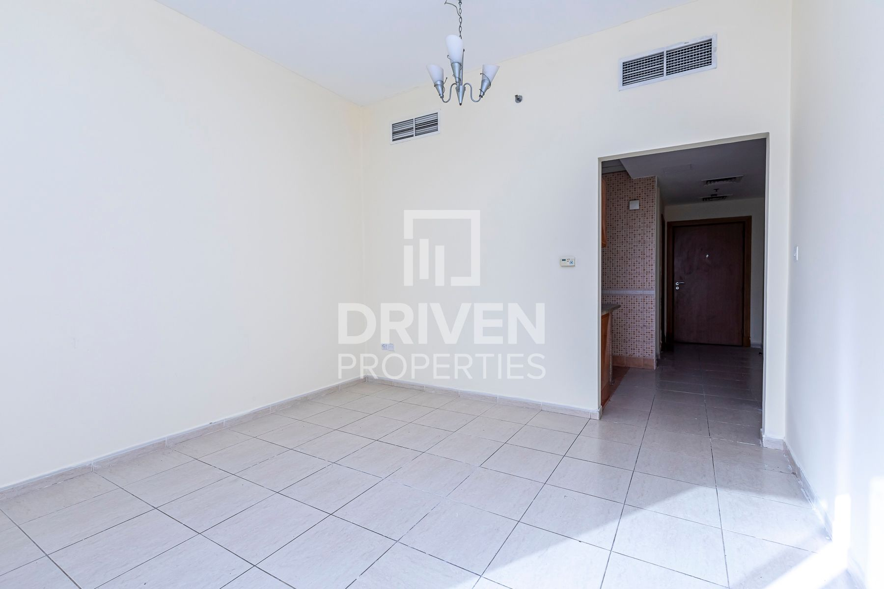 Hot deal | Prim Location | Close to Mall