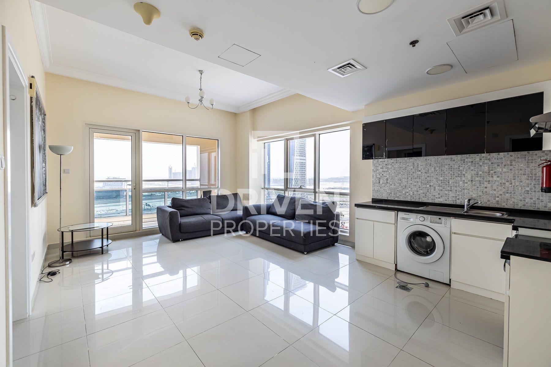 730 قدم مربع  شقة - للبيع - الخليج التجاري