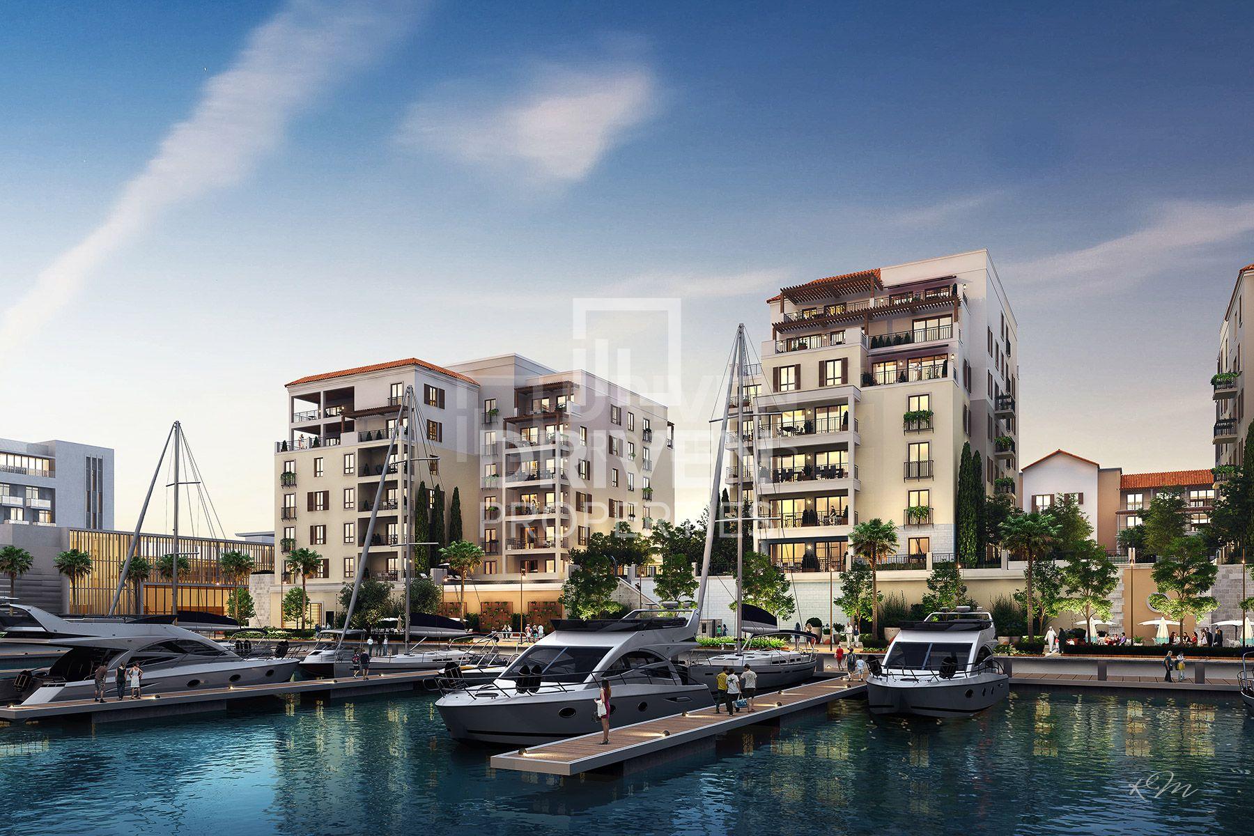 Luxurious unit | Pool and Marina Views