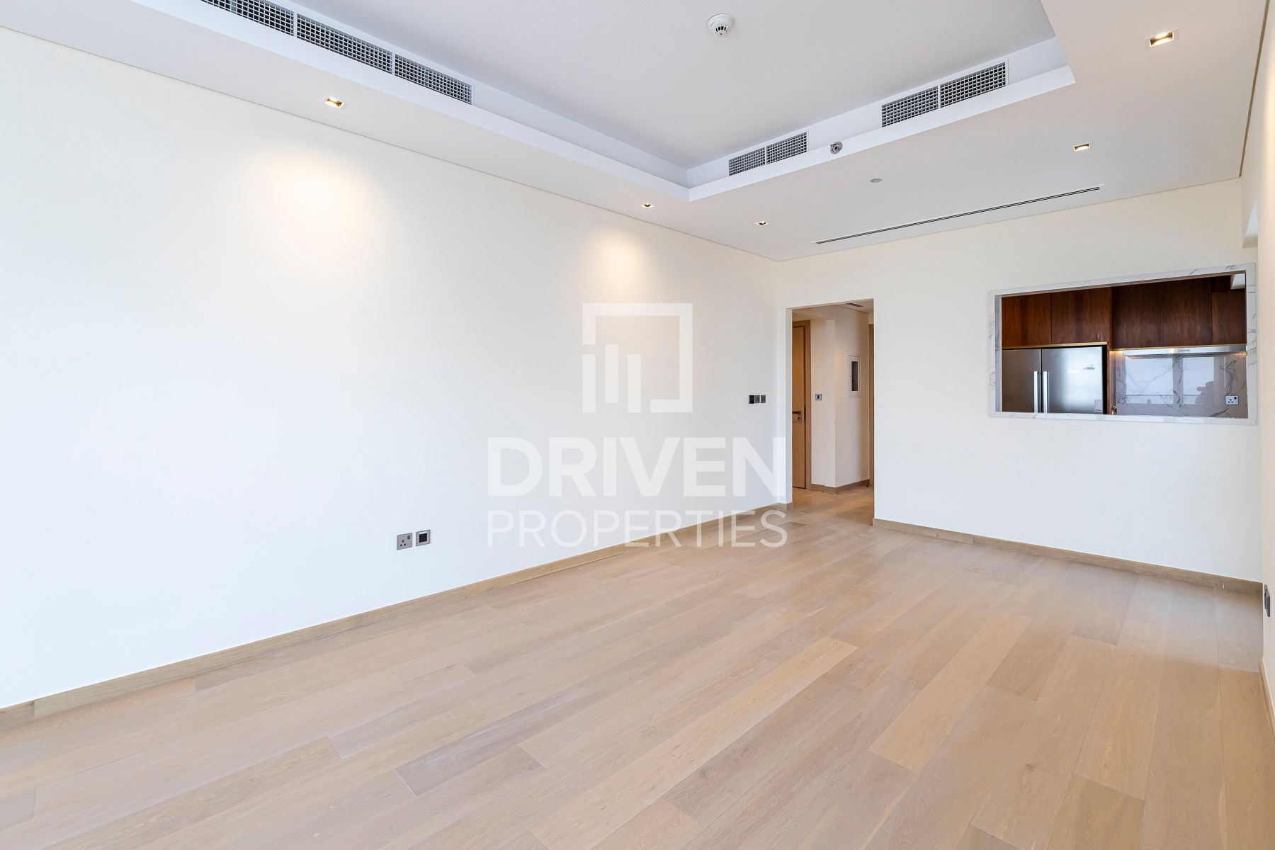 Spacious 1 Bed Apt with Balcony | Lovely