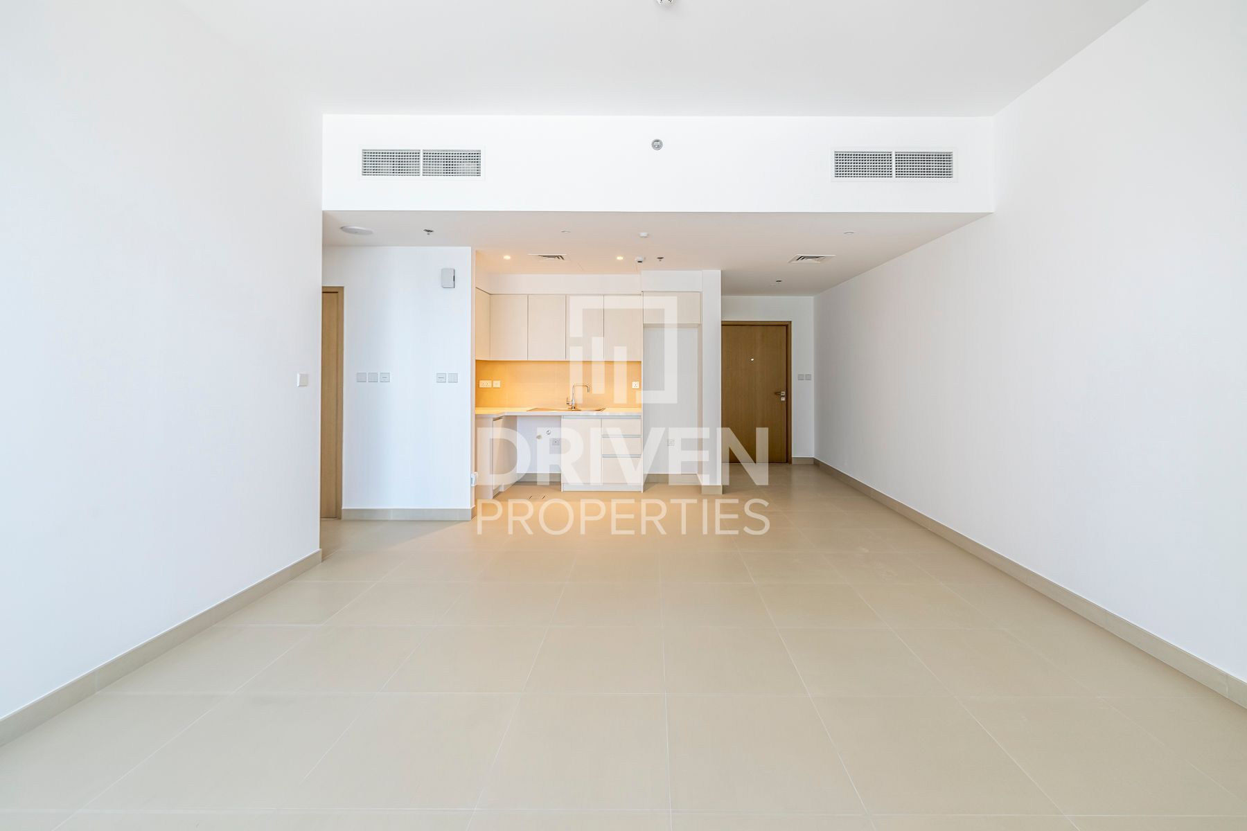 Brand New Apt | Chiller Free | Park View