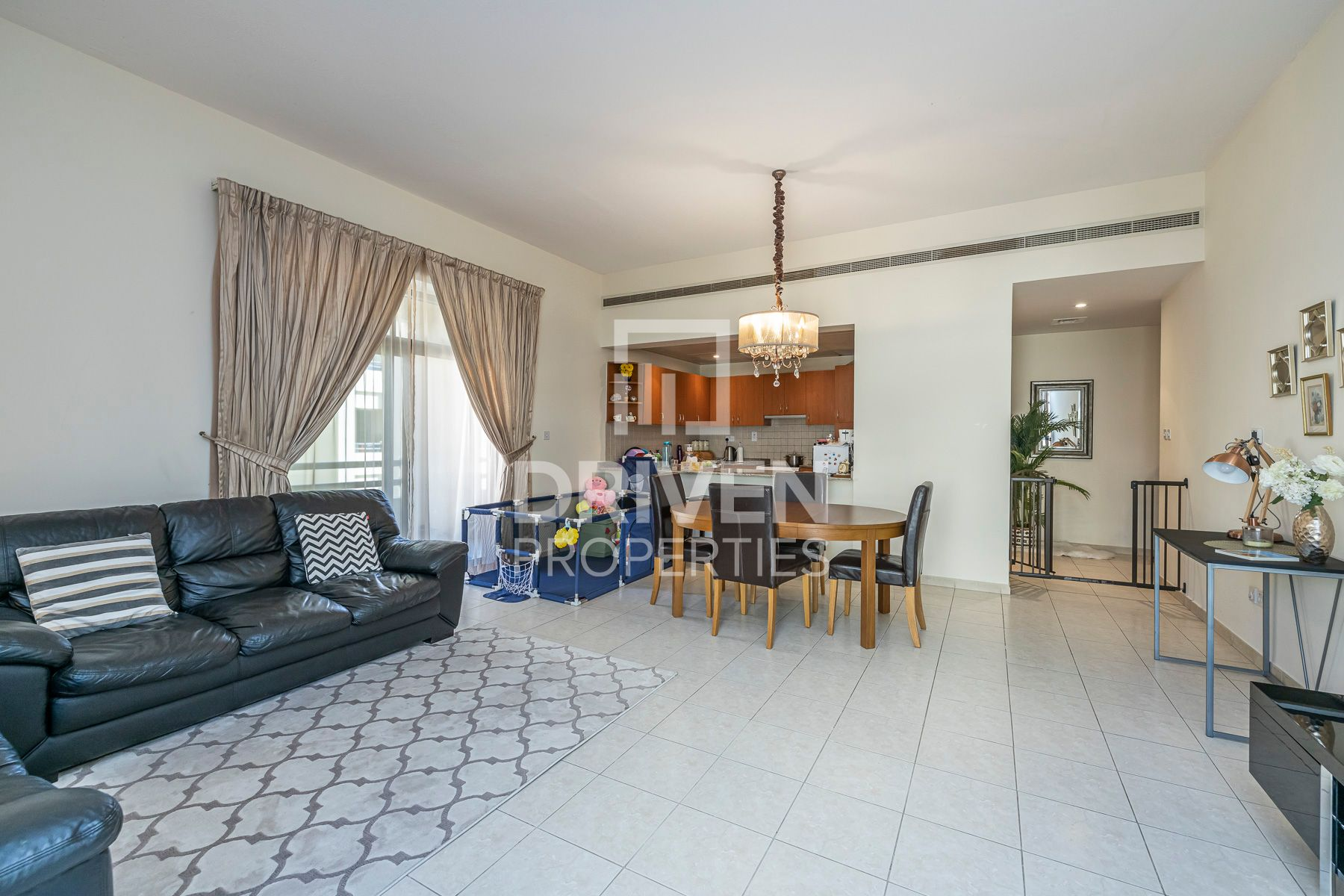 1,409 قدم مربع  شقة - للبيع - جرينز