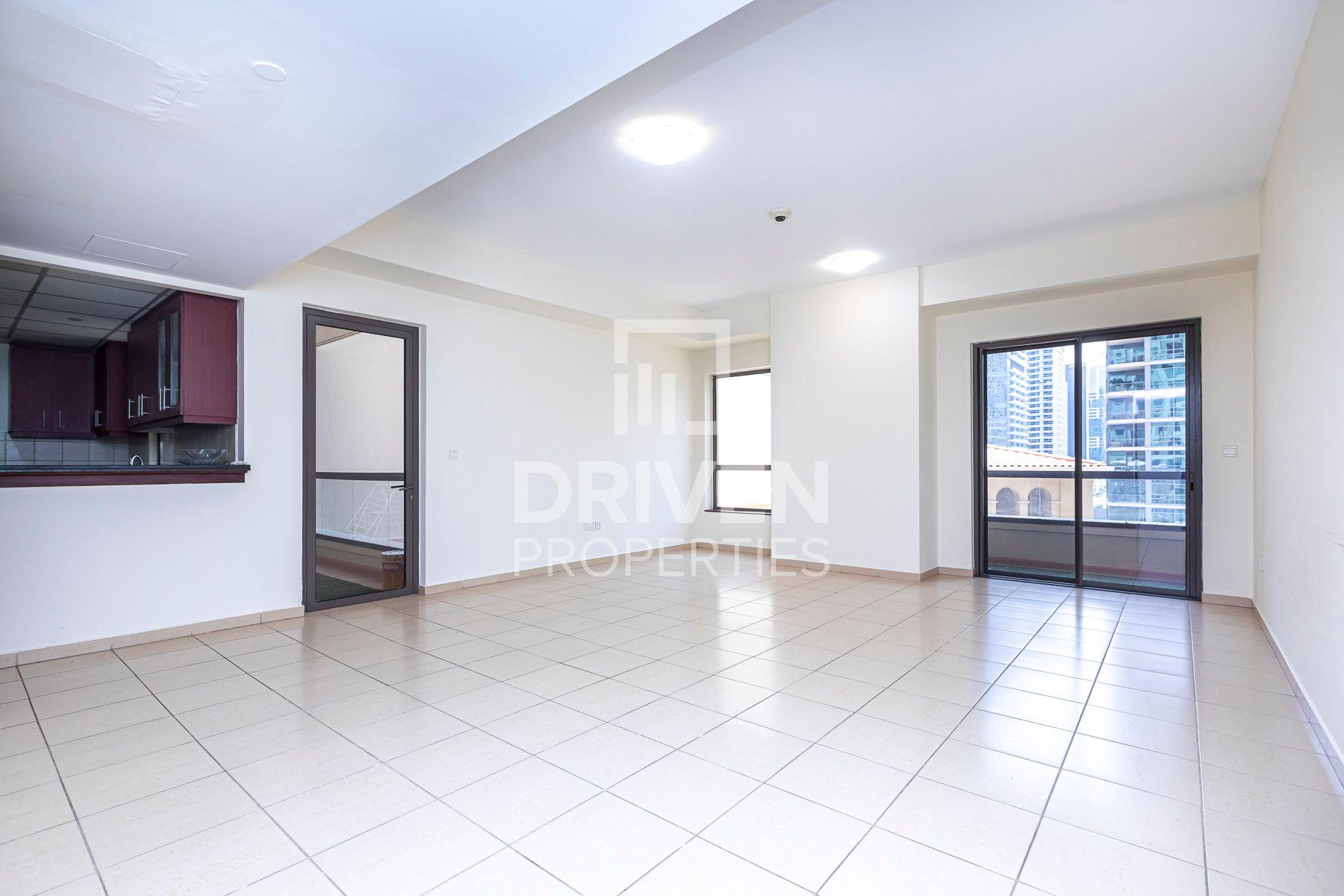 1,105 قدم مربع  شقة - للبيع - مساكن شاطئ الجميرا