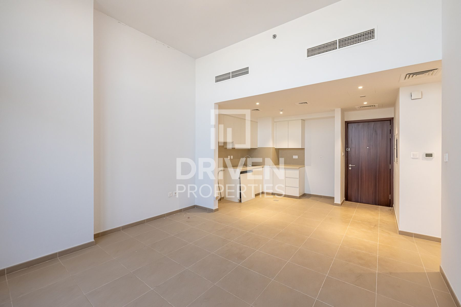 Spacious Apartment with Balcony | Vacant
