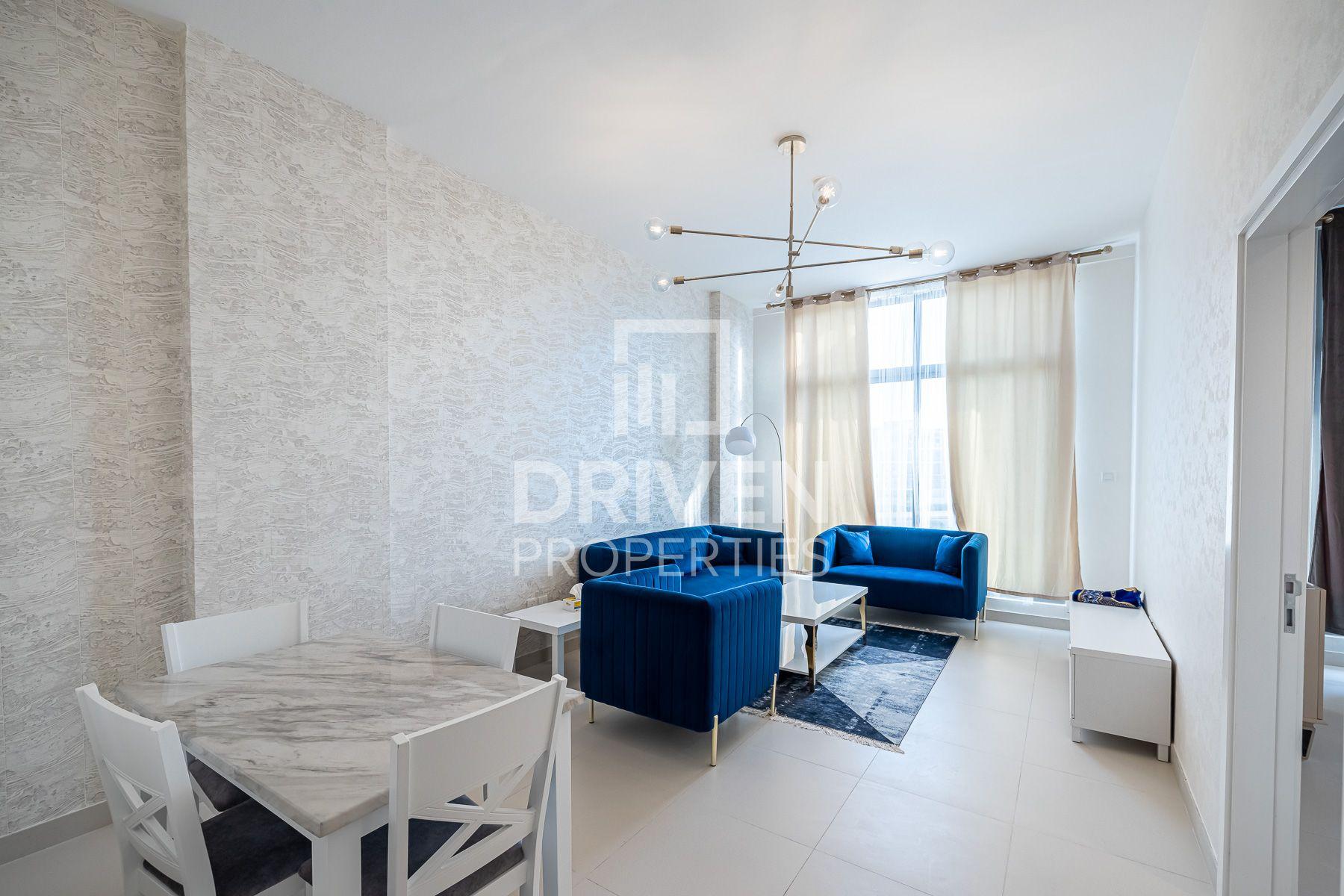 768 قدم مربع  شقة - للايجار - ميدان