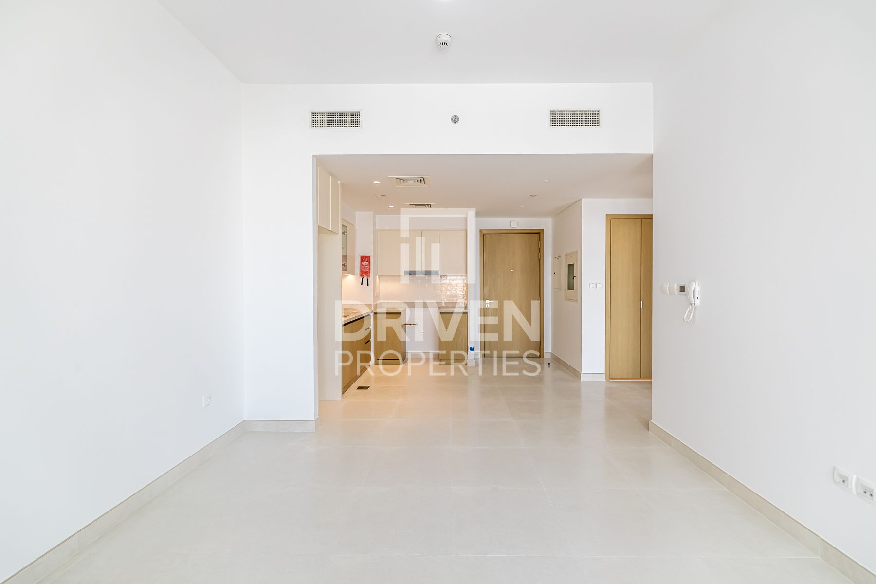 Handed Over | Tower View on Middle Floor