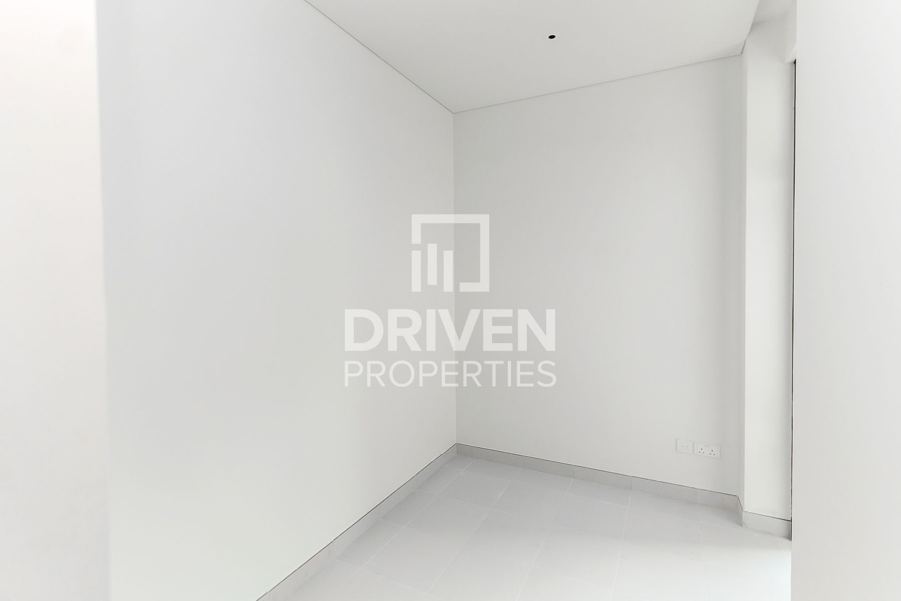 3BR + M | Arena and Downtown Skyline View