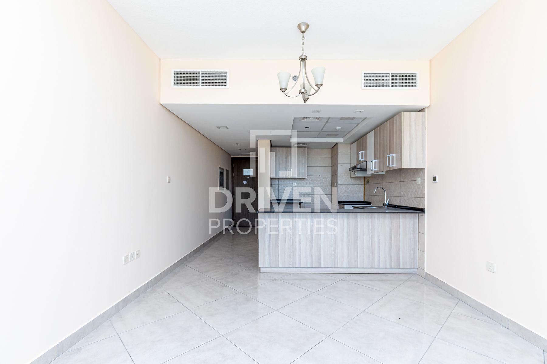 749 قدم مربع  شقة - للايجار - قرية الجميرا سركل