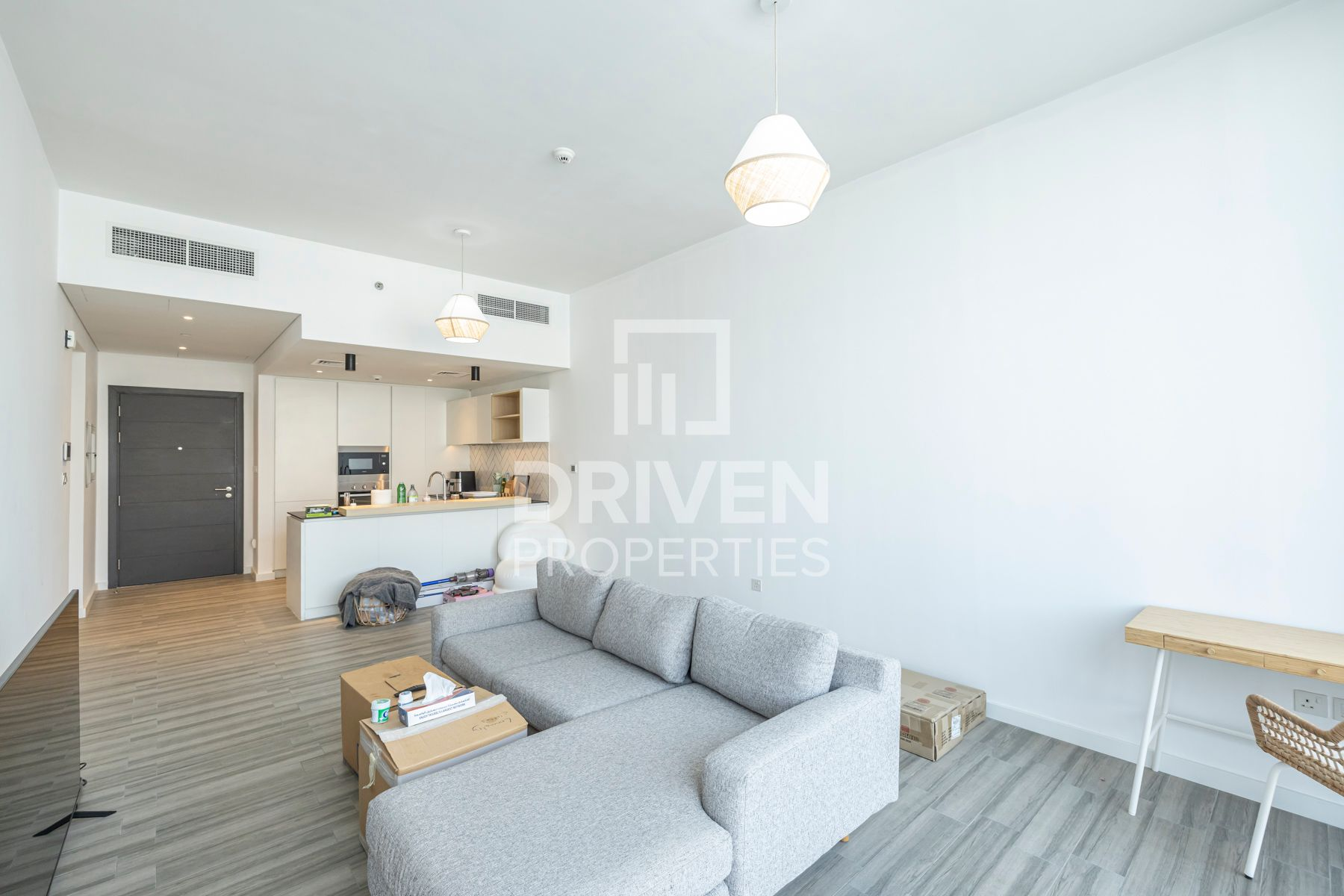 Luxurious | Spacious Apt | Fitted Kitchen