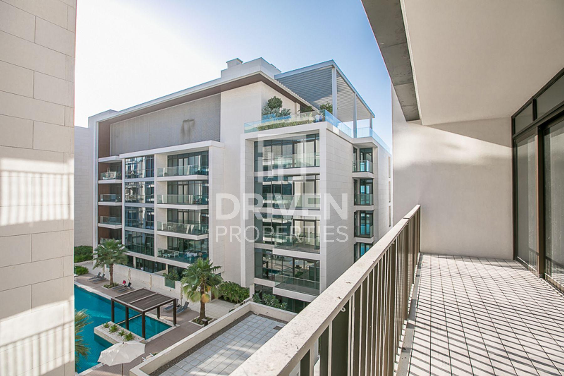 Outstanding views | High floor | Large living
