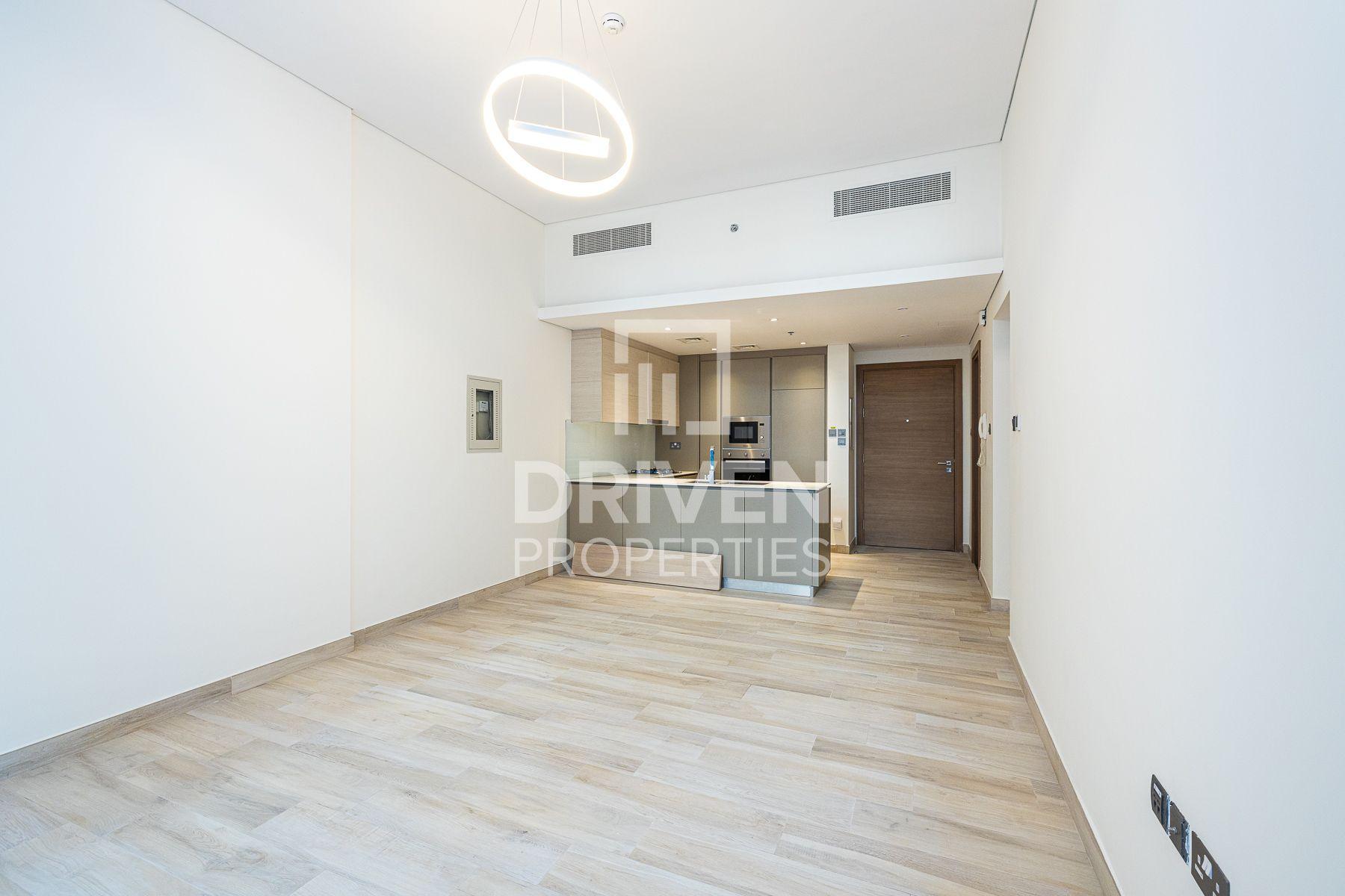 900 قدم مربع  شقة - للبيع - قرية الجميرا سركل