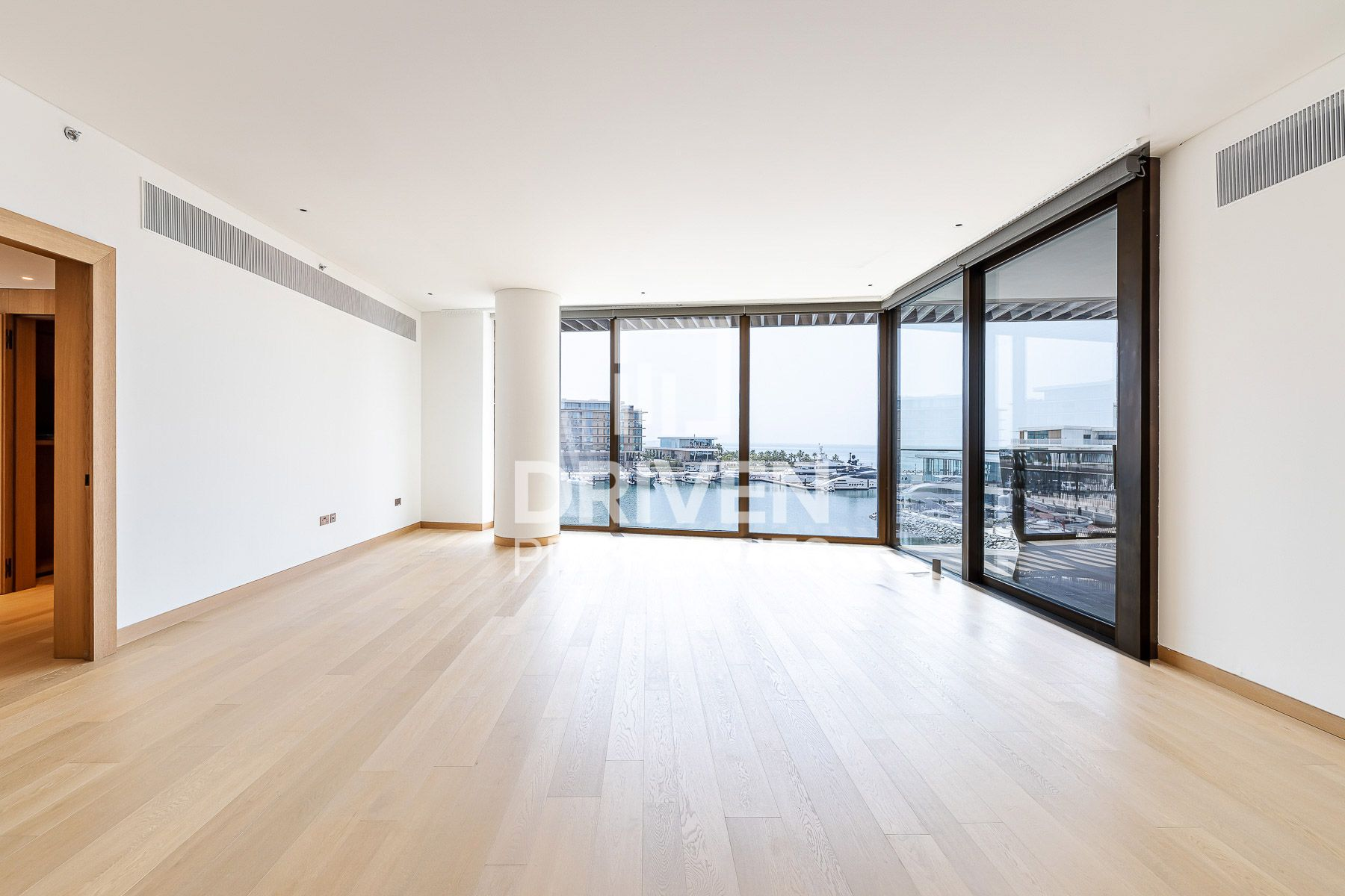 4,180 قدم مربع  شقة - للبيع - الجميرا