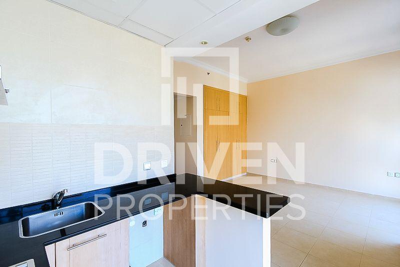 Studio for Rent in Zumurud Tower - Dubai Marina