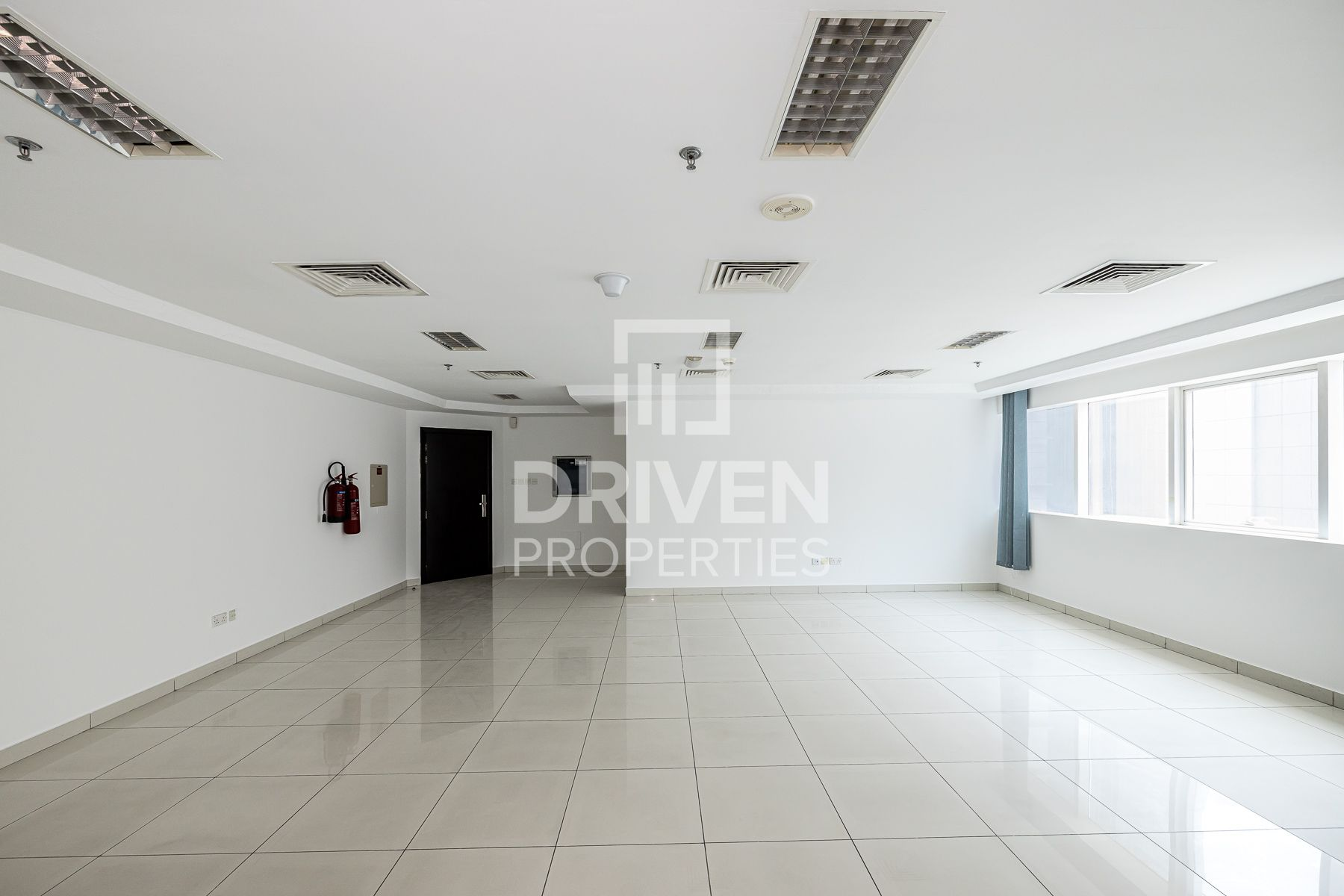 Office Space w/ Partition   Best Location